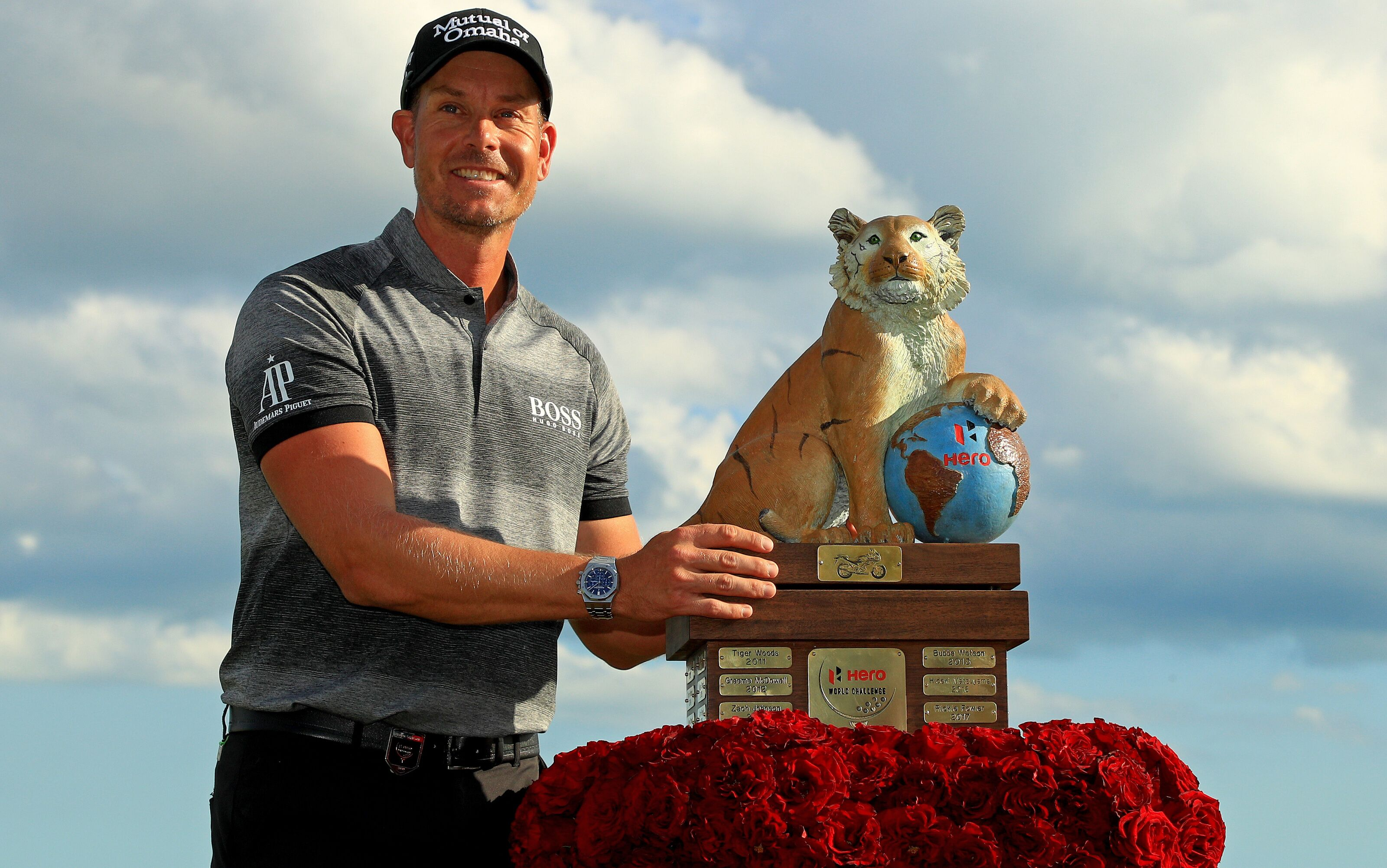 'Shot of the Year' helps Henrik Stenson beat Tiger and co. in the Bahamas