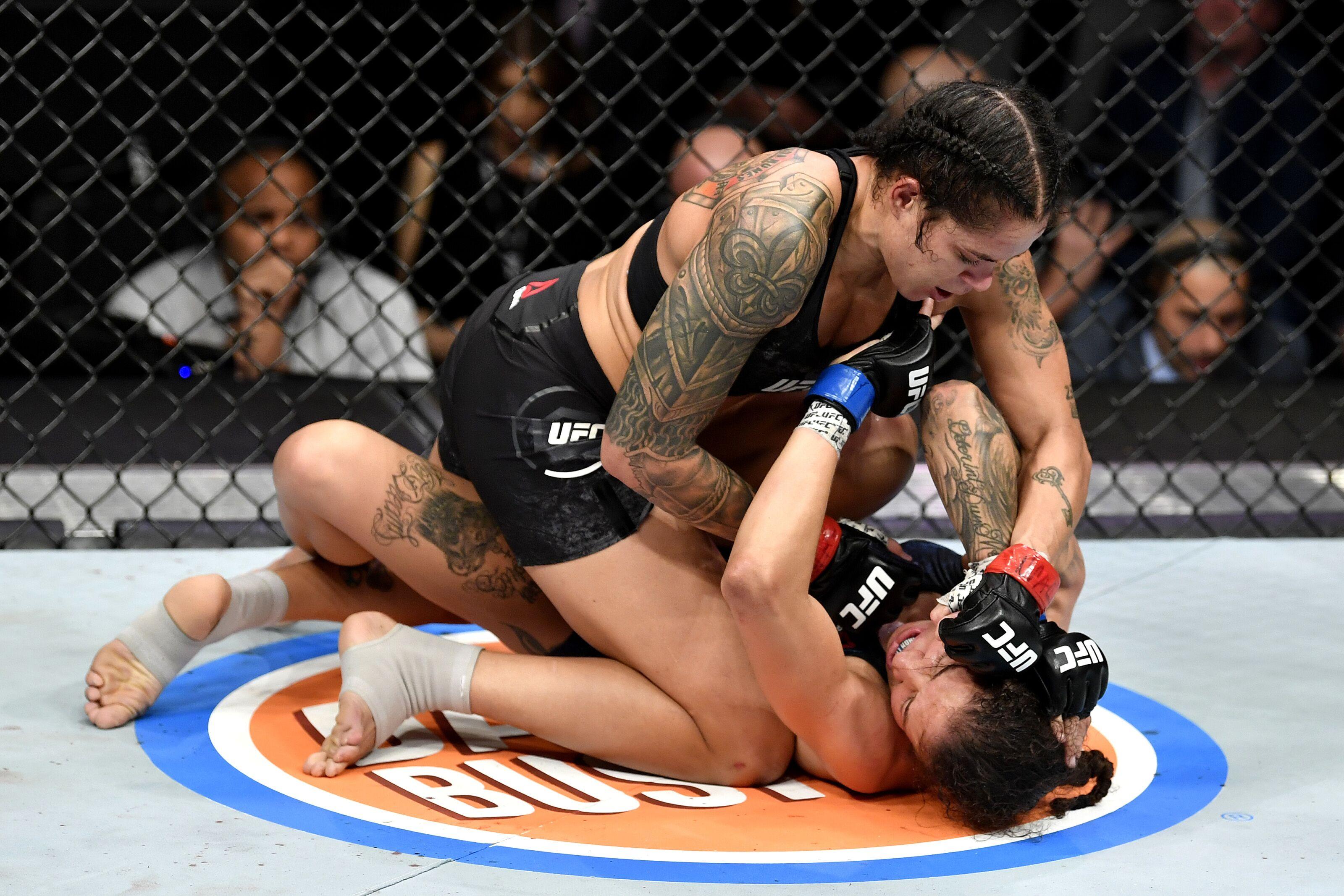 UFC 245: Takedowns lead Amanda Nunes to retain title against Germaine de Randamie