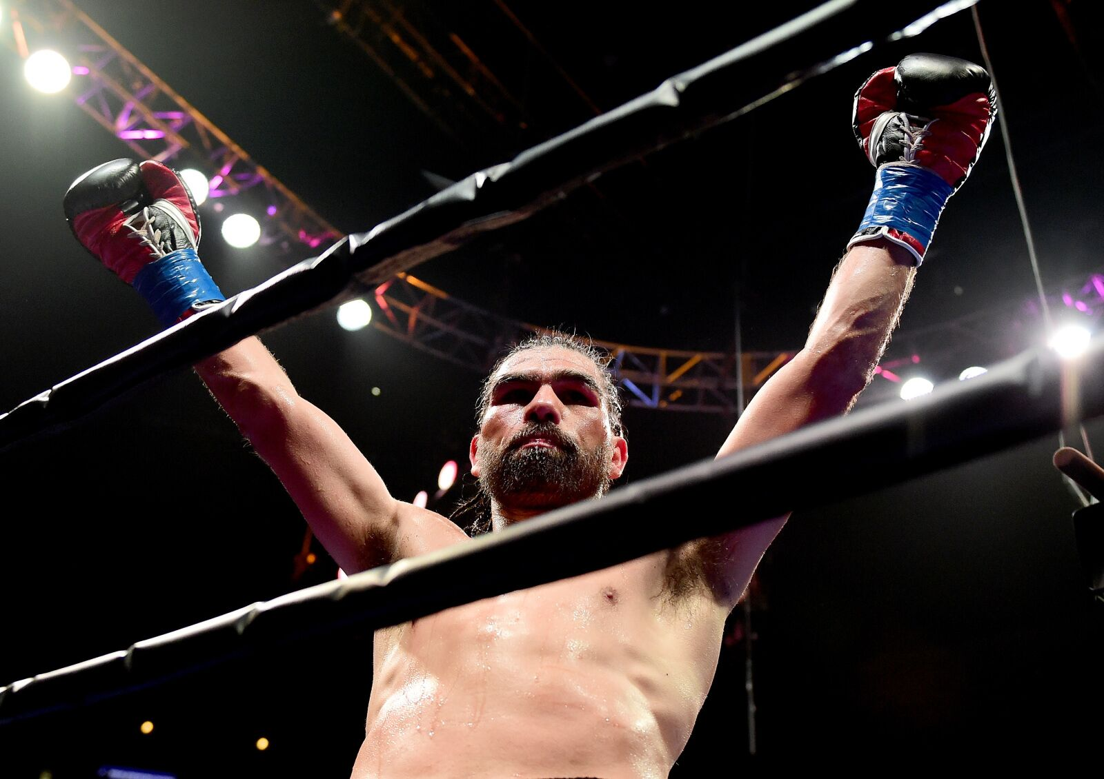 Alfredo Angulo pulls major upset over Peter Quillin in SD victory