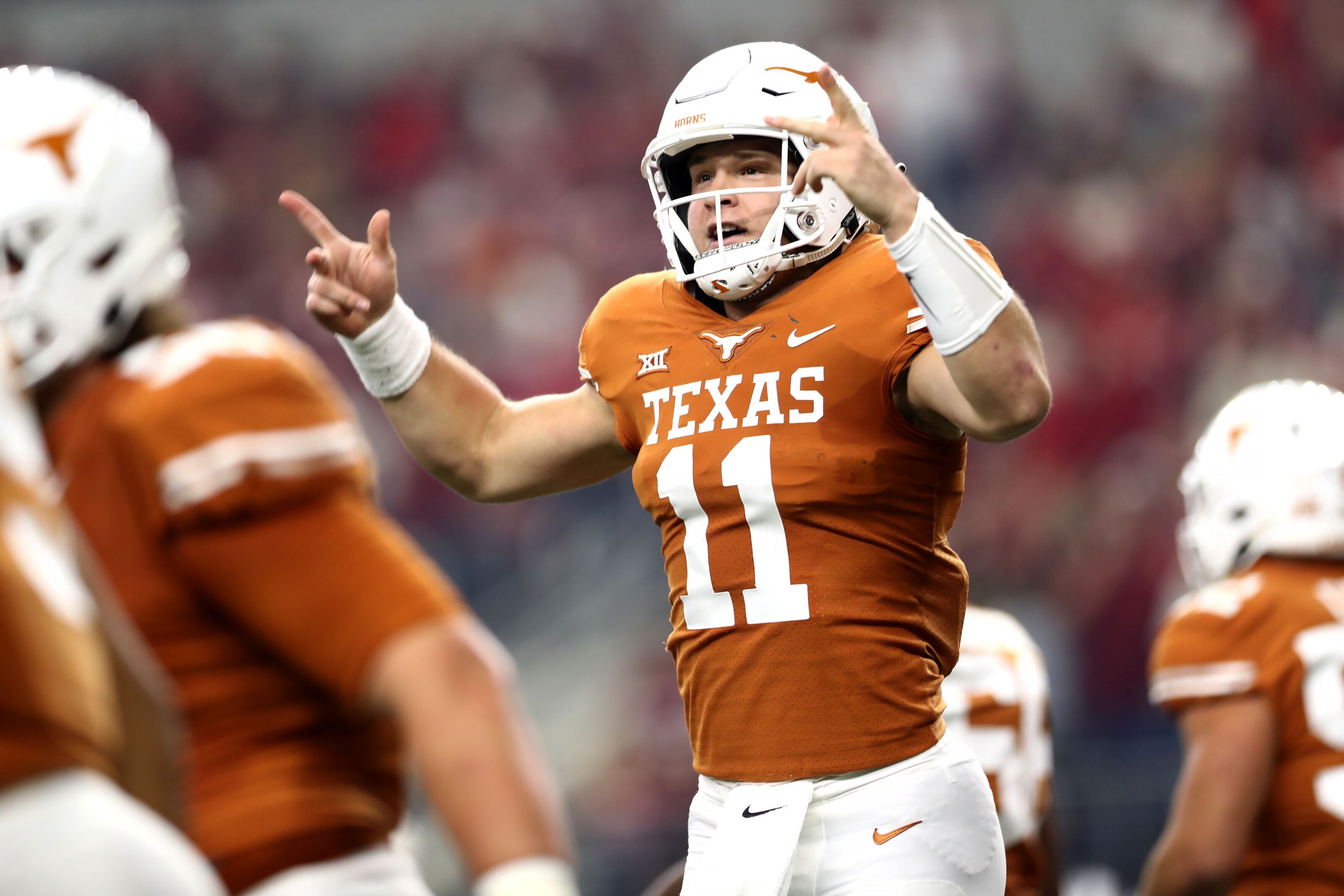 Texas' Sam Ehlinger puts Tim Tebow comparisons to the test vs. LSU