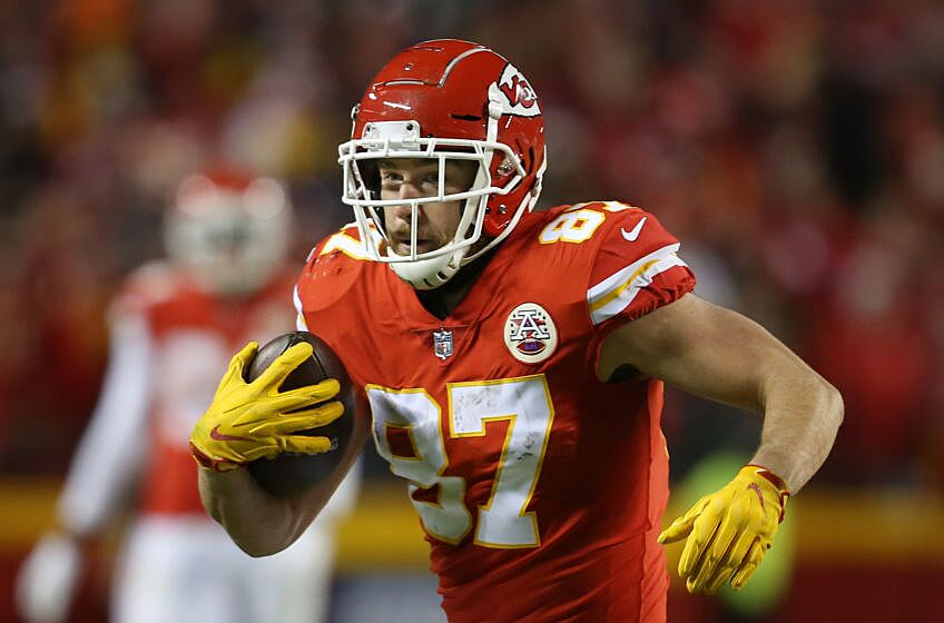 Draftkings NFL GPP pivots: Week 2 – Chalky Chiefs