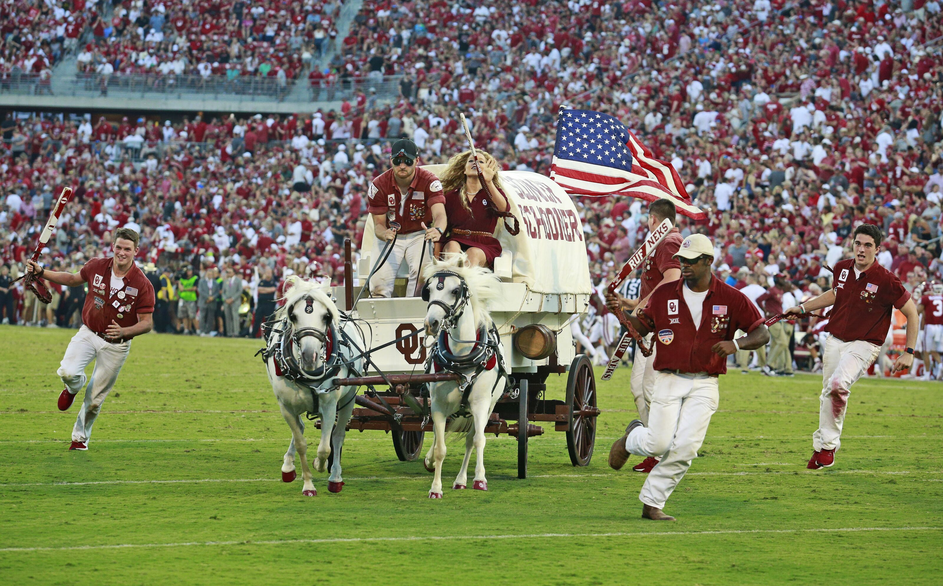 Oklahoma football: Sooner Schooner tips over, sending passengers flying