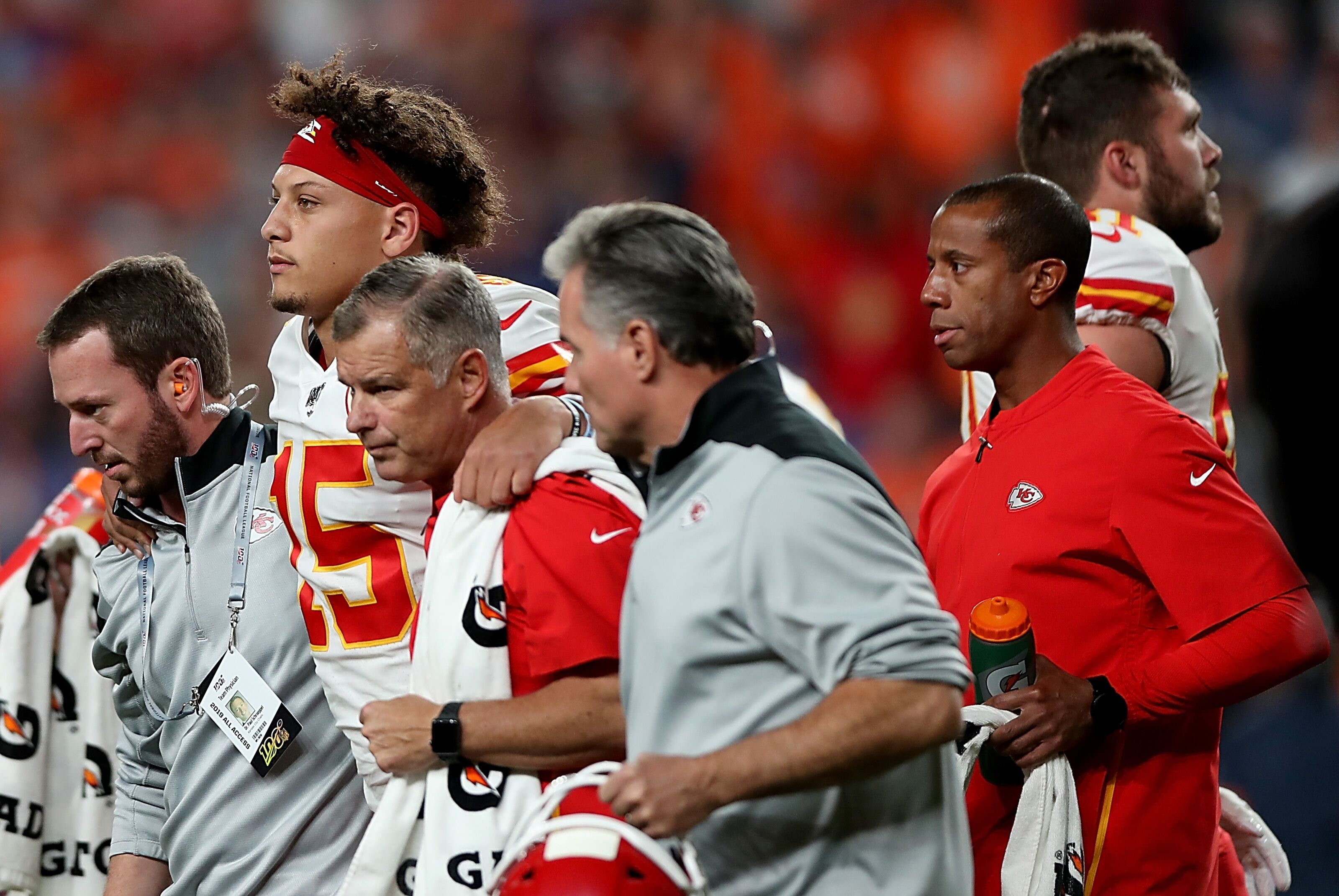 Patrick Mahomes: How long is recovery time for dislocated knee?