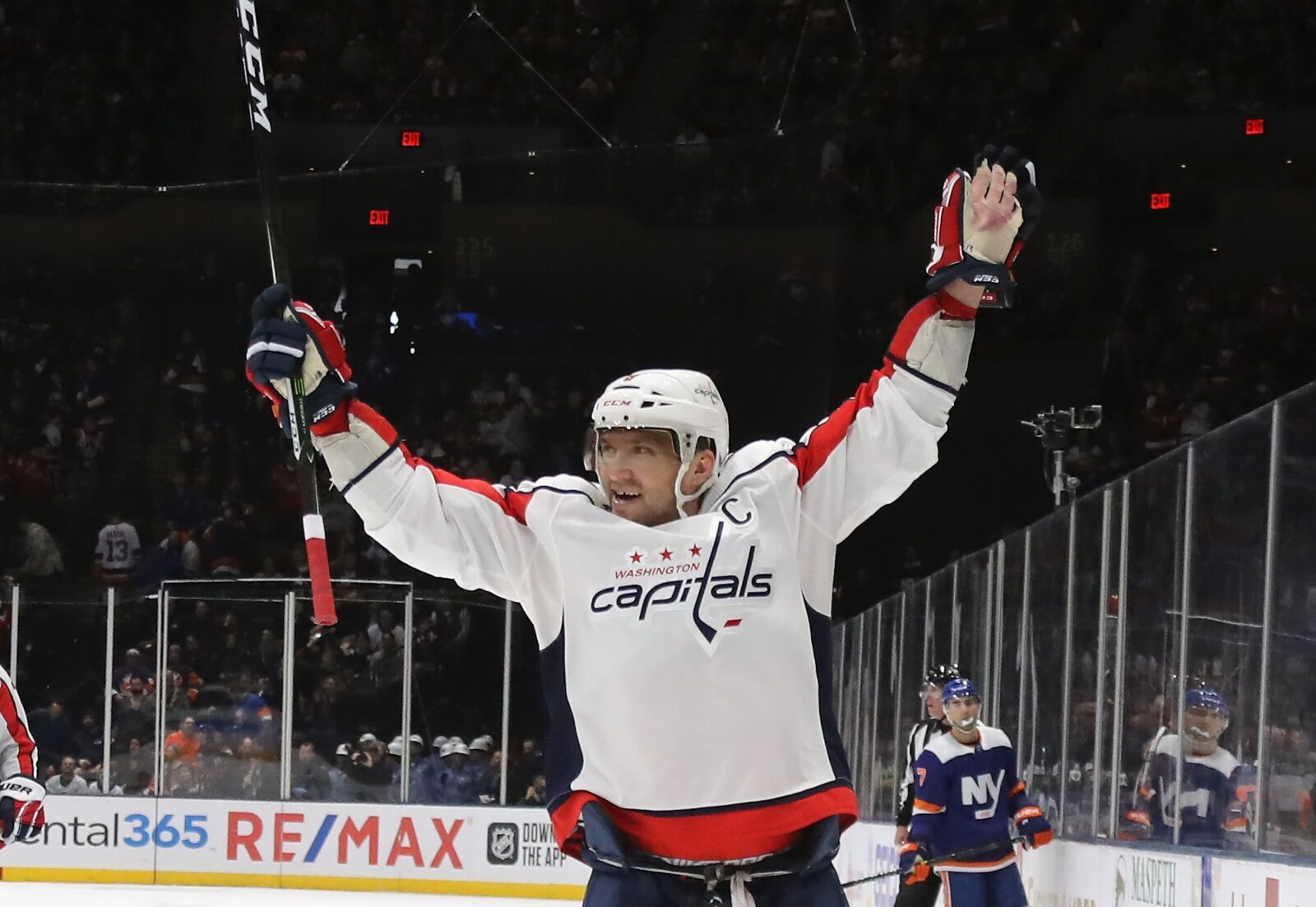 Projecting when Alex Ovechkin will pass Wayne Gretzky's goal-scoring record