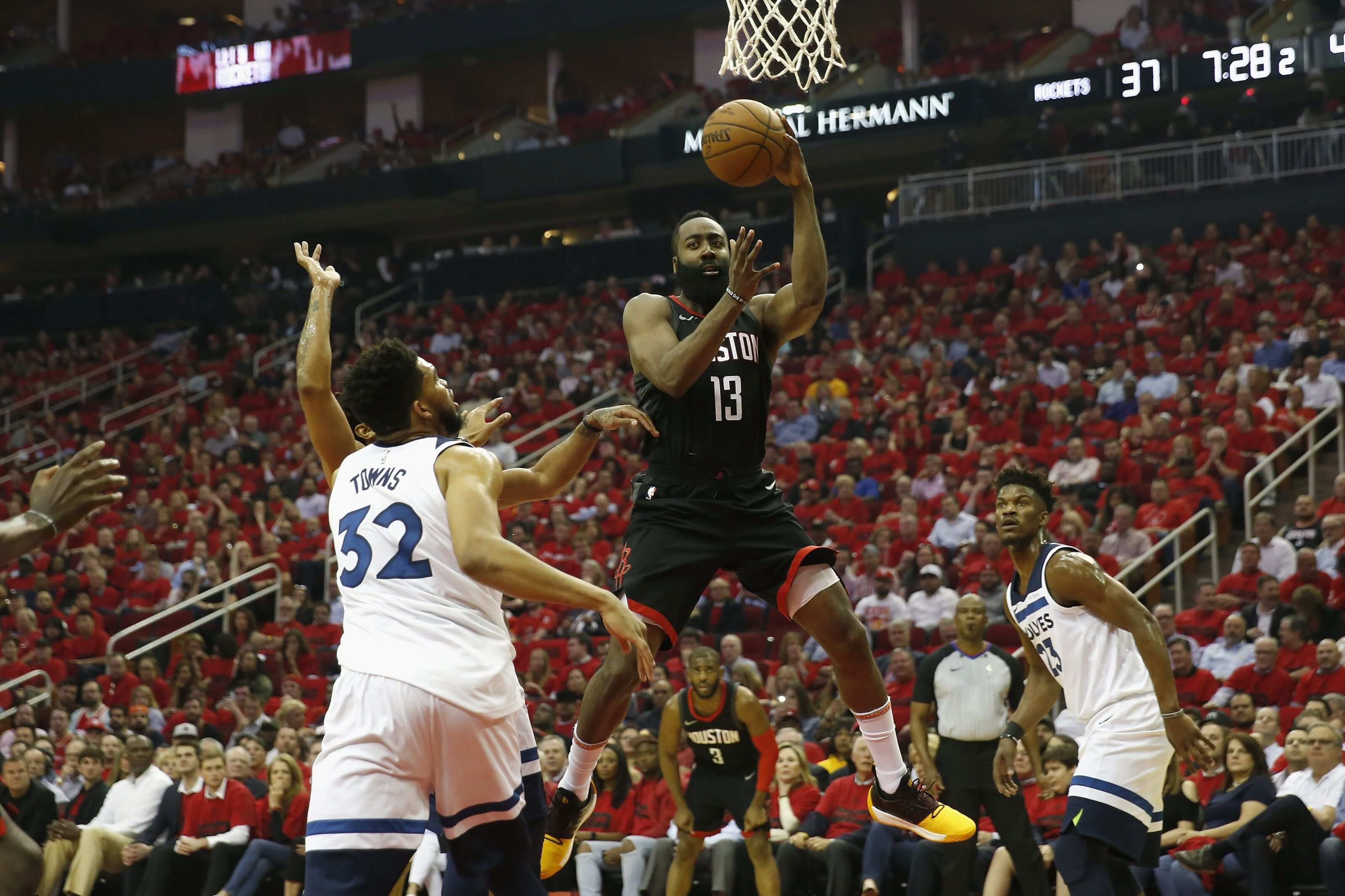 DraftKings NBA Picks March 1: LeBron's in playoff mode