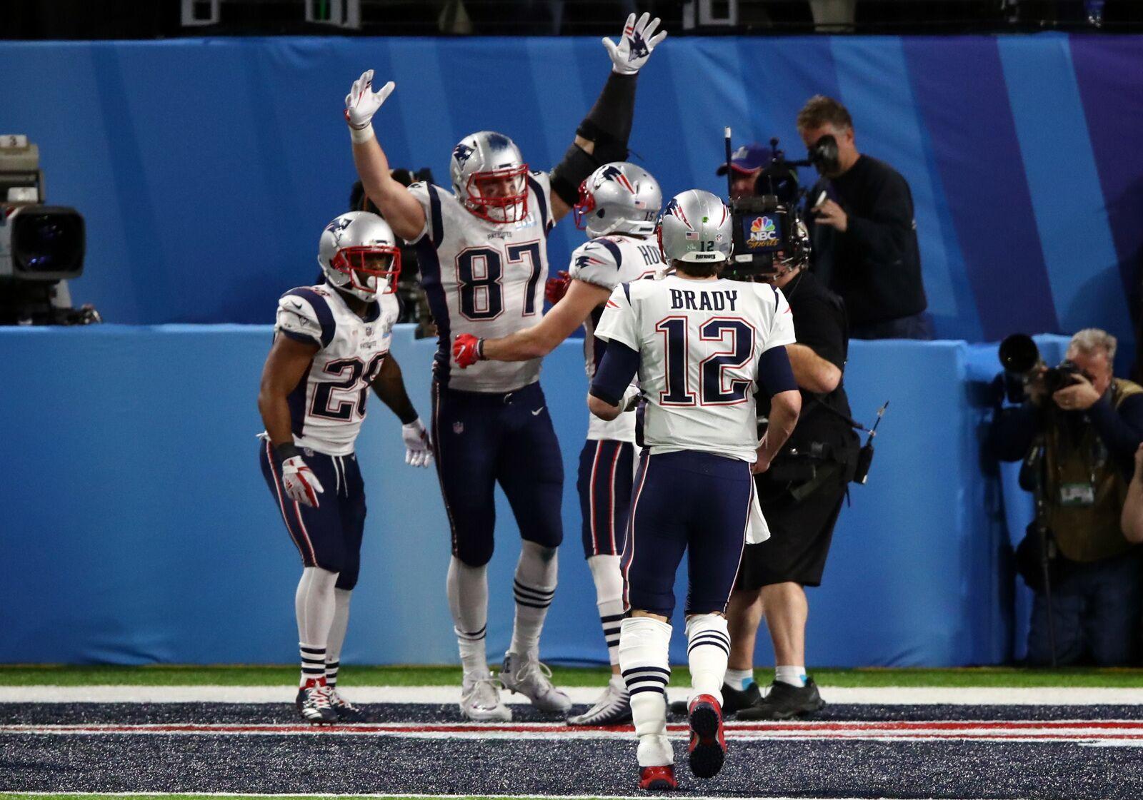 FanDuel NFL GPP Pivots: Week 15 – It's Brady Time!