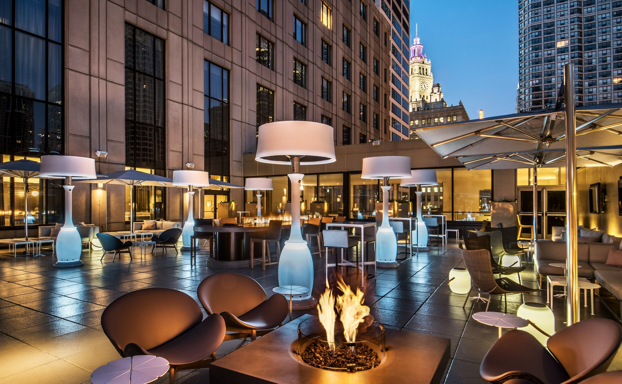 Bask in the sun: Best rooftop bars in Chicago