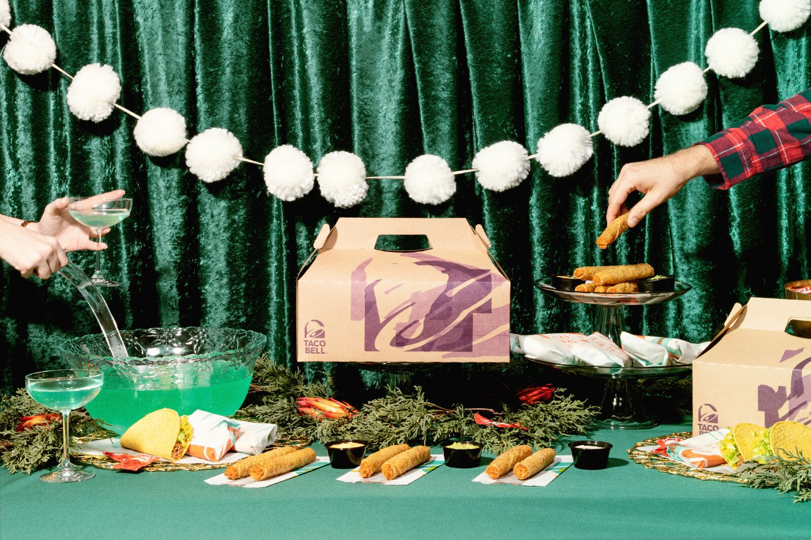 Taco Bell has Friendsgiving covered with new Party Pack