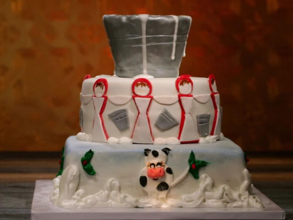 Holiday Baking Championship Finale Stephanys Main Heat P O From Food Network