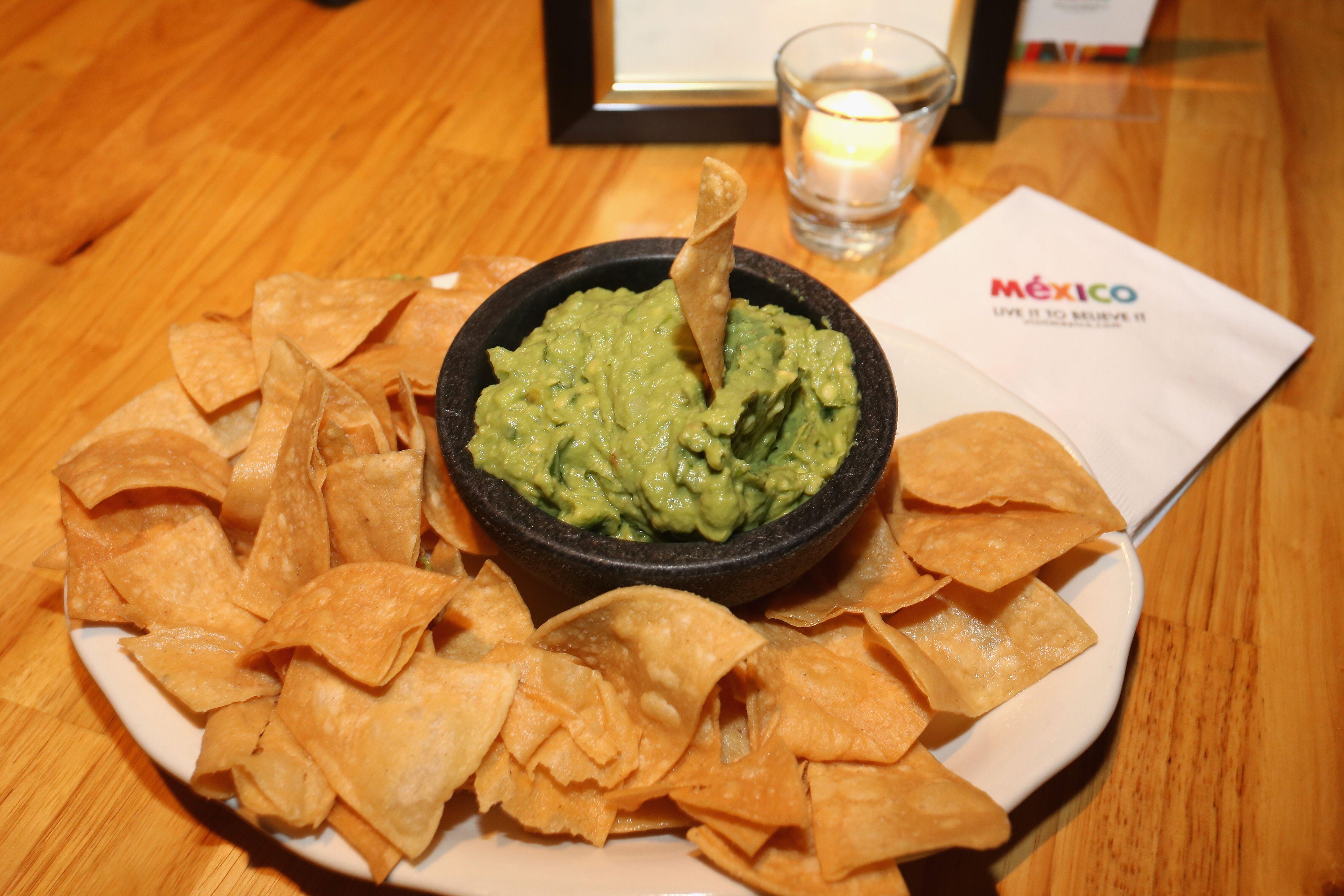 7 tips for the perfect guacamole from guacamolero Ruben Castillo