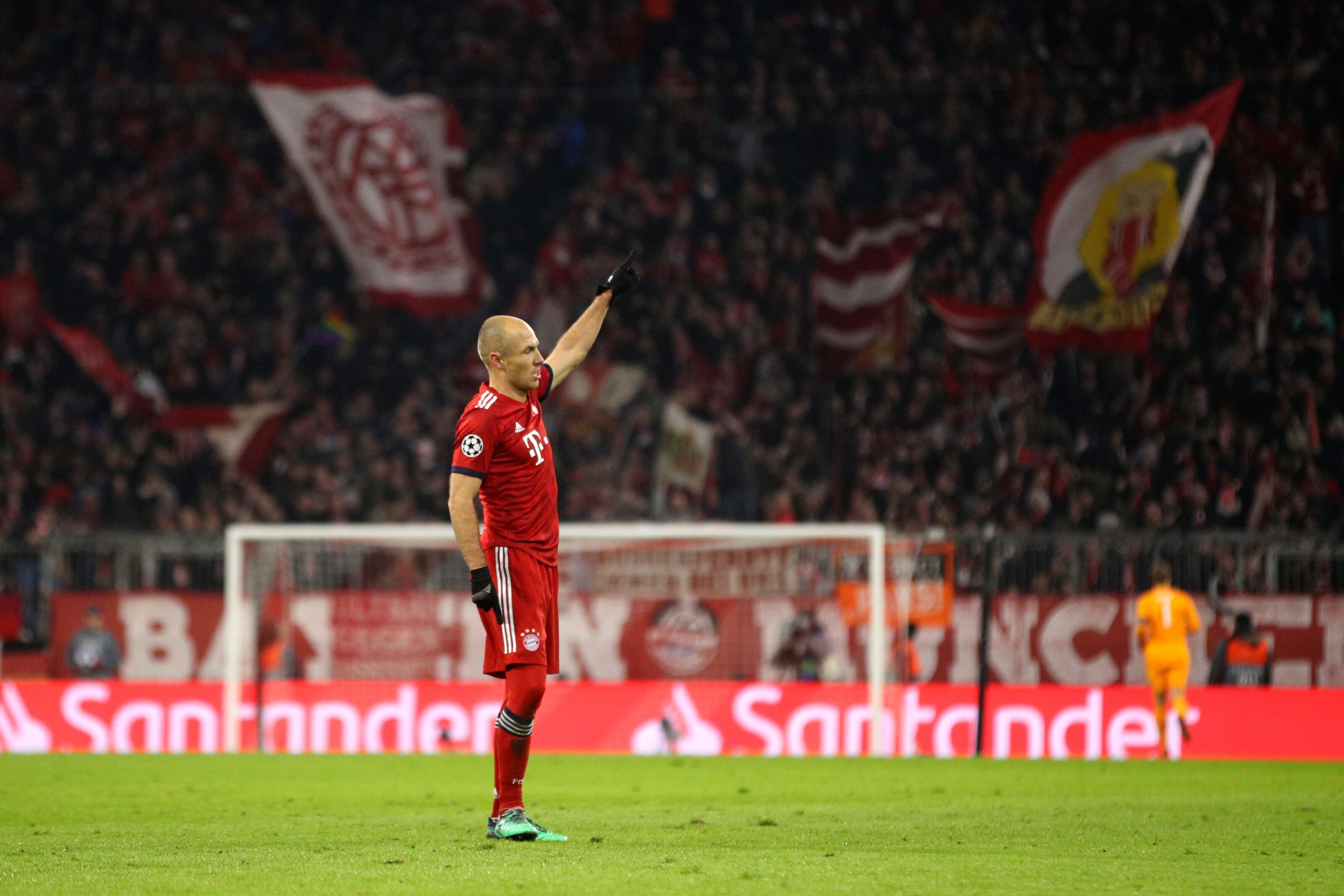 How likely is it that Leicester City will sign Arjen Robben?