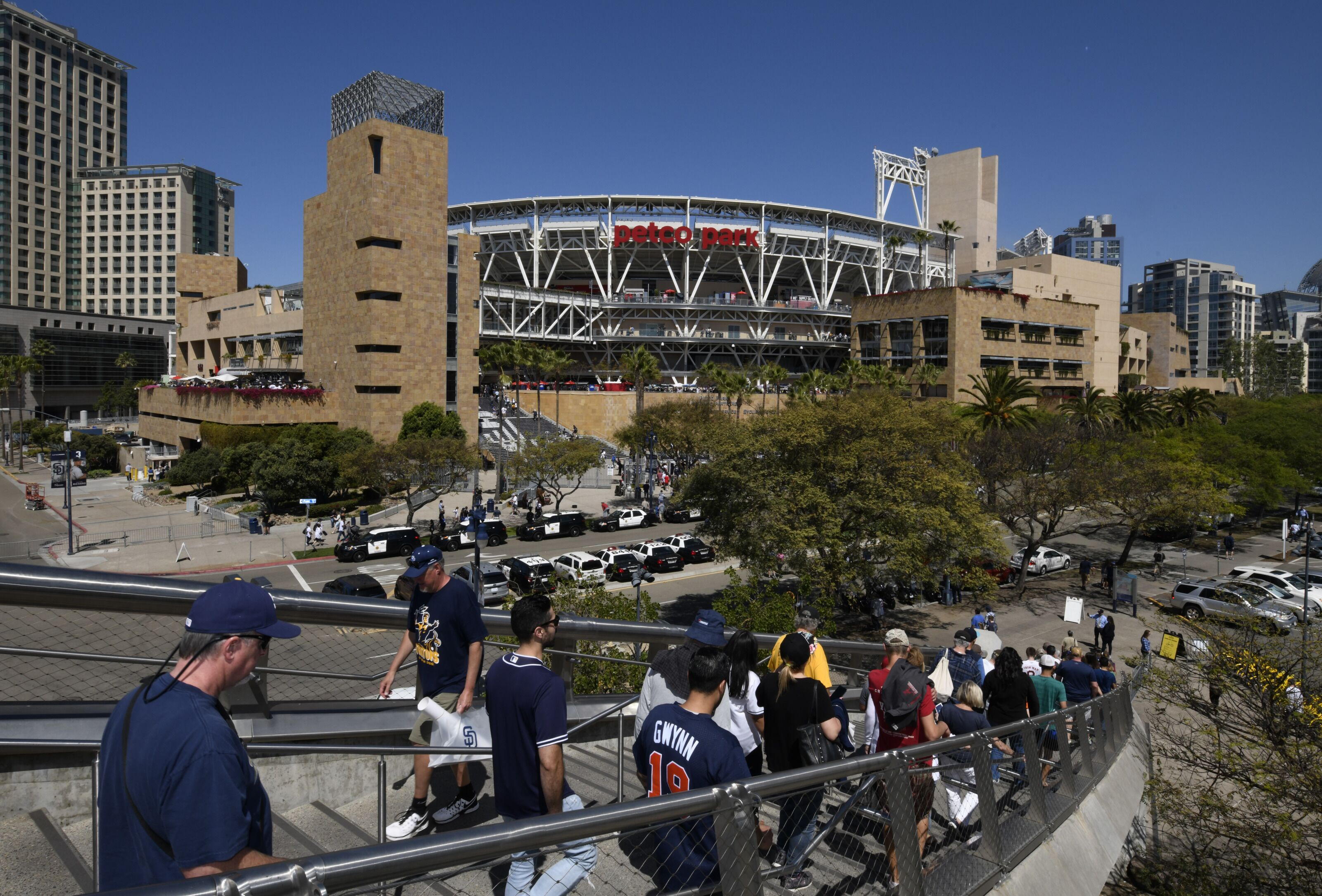 939861392-milwaukee-brewers-v-san-diego-padres.jpg