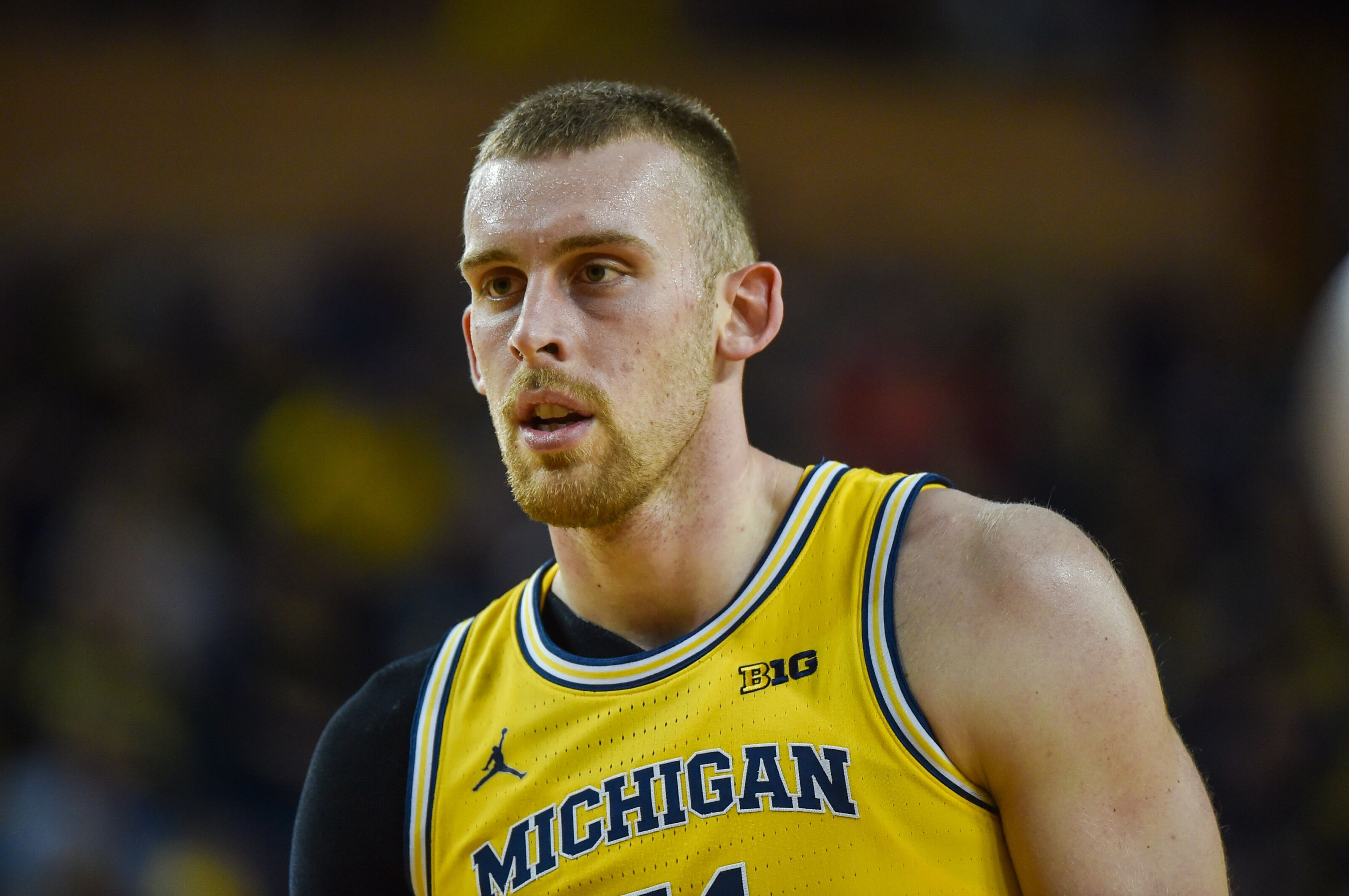 Michigan Basketball: Wolverines need to get Austin Davis for a 5th year