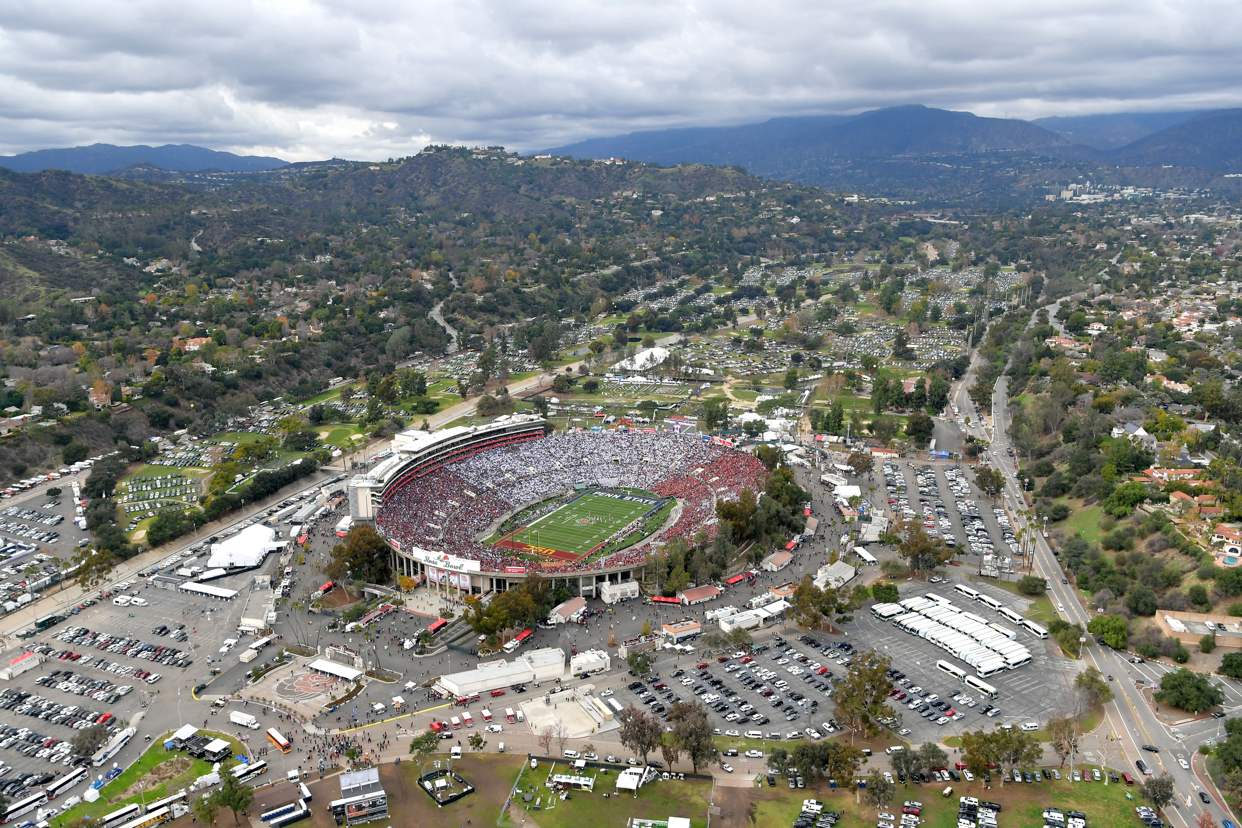 Bowl Game Schedule 2017 >> UCLA Football: The Rose Bowl adds a new name to the field