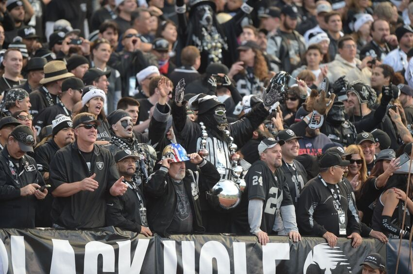 Black Hole Fans : Could the oakland raiders be world s best fanbase