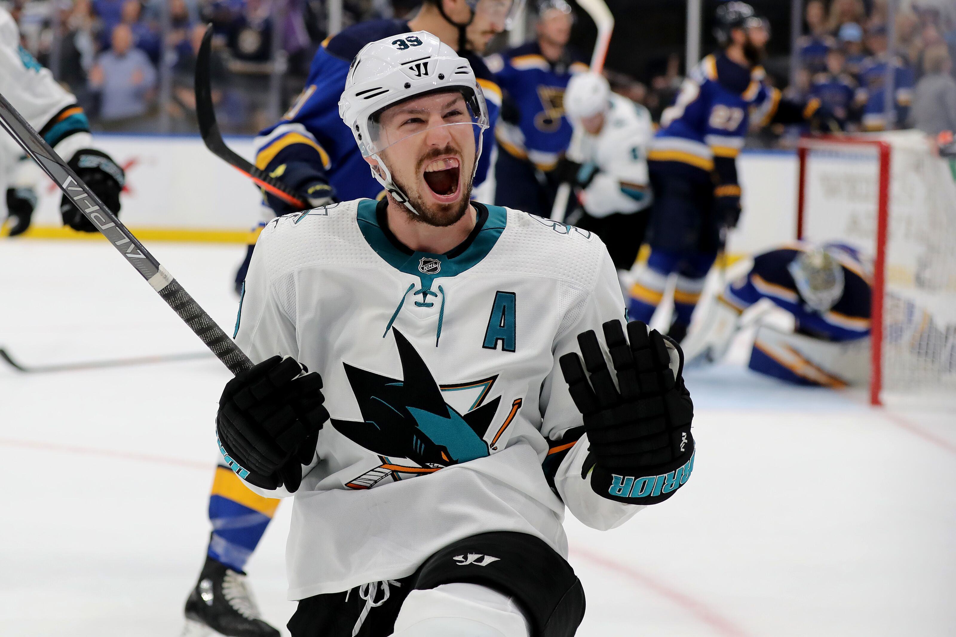 San Jose Sharks: Logan Couture deserves to be the team's next captain