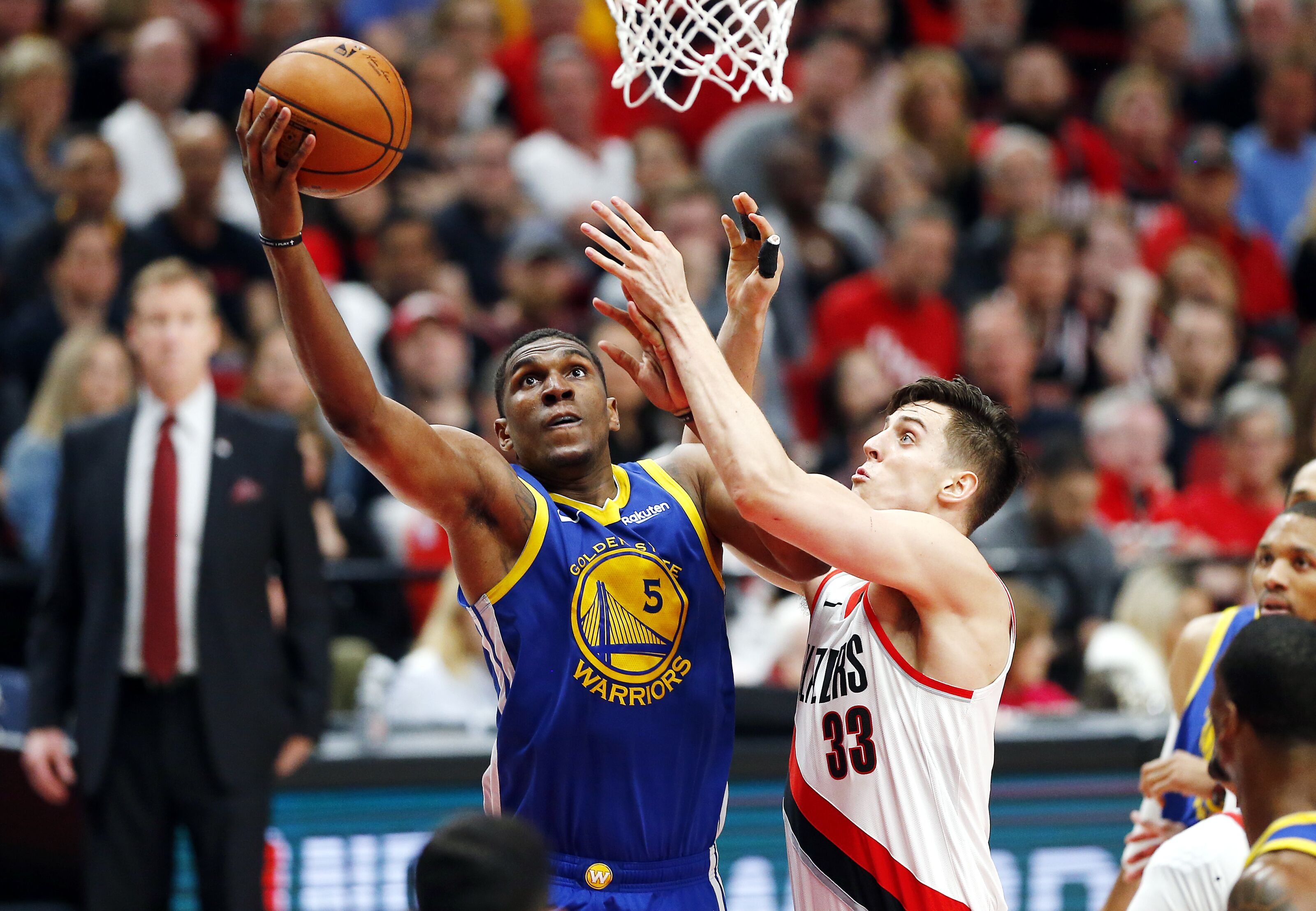 Golden State Warriors: Kevon Looney's status remains up in the air