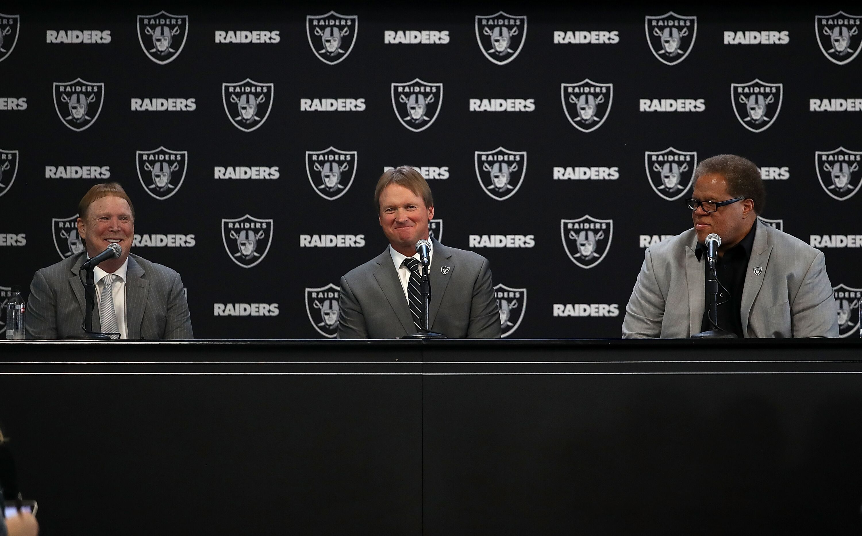 903070666-oakland-raiders-introduce-jon-gruden.jpg