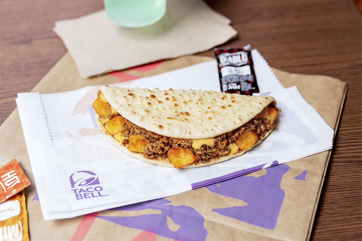 Taco Bell is bringing the $1 Beef & Potato Flatbread to Chattanooga, TN