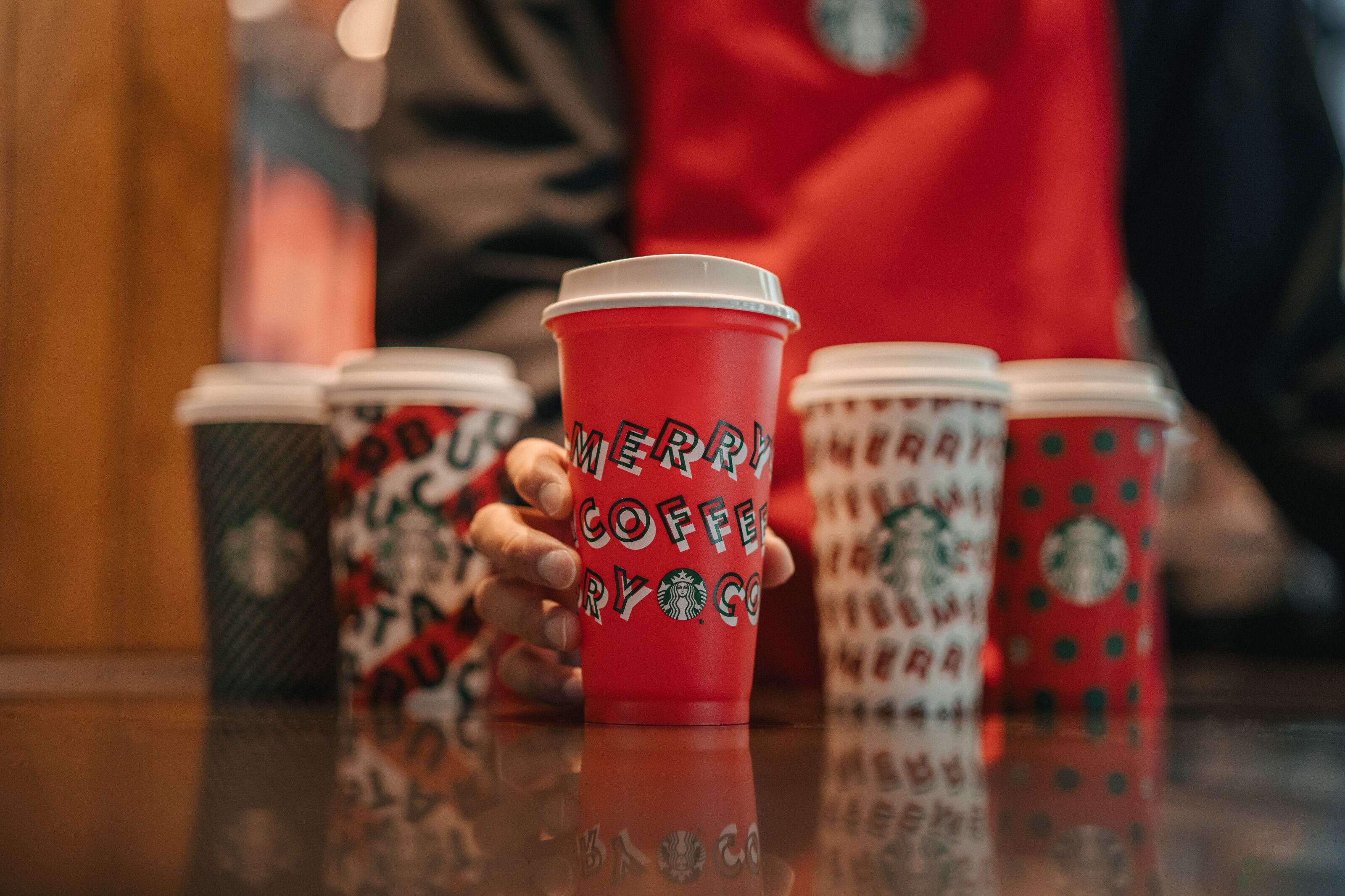 Is Starbucks Open On Thanksgiving 2019?