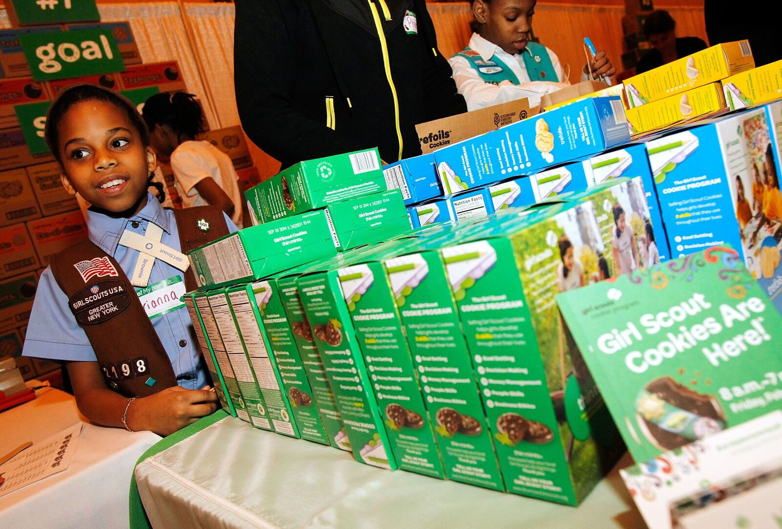 Girl Scout Cookies have Wisconsin police issuing hilarious warning