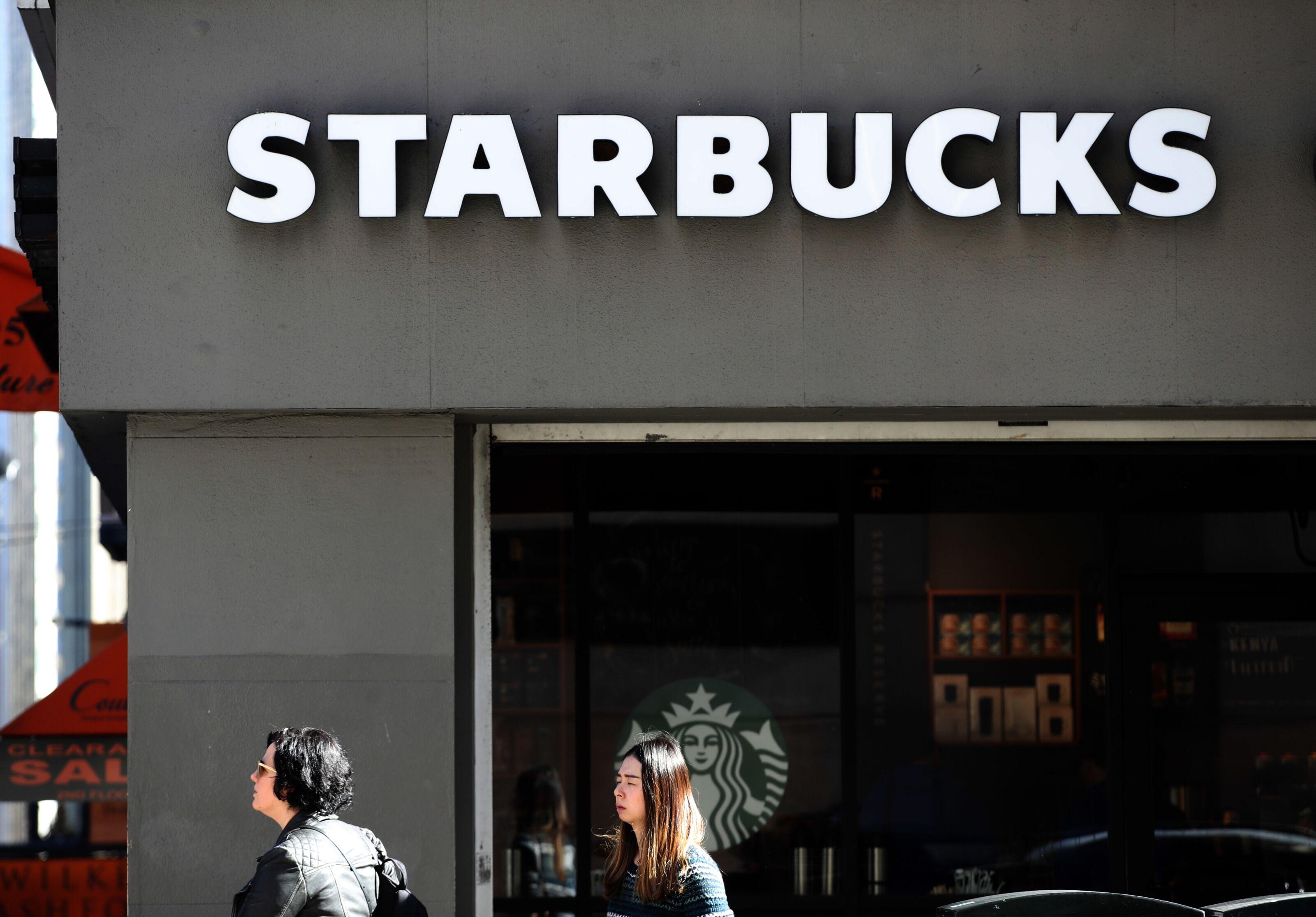 Starbucks celebrity style: From Miley Cyrus to Kim Kardashian, stars' favorite drinks