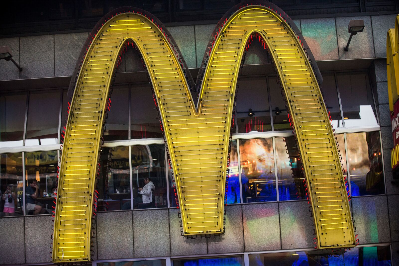 Fast Food restaurants open on Easter Monday 2019