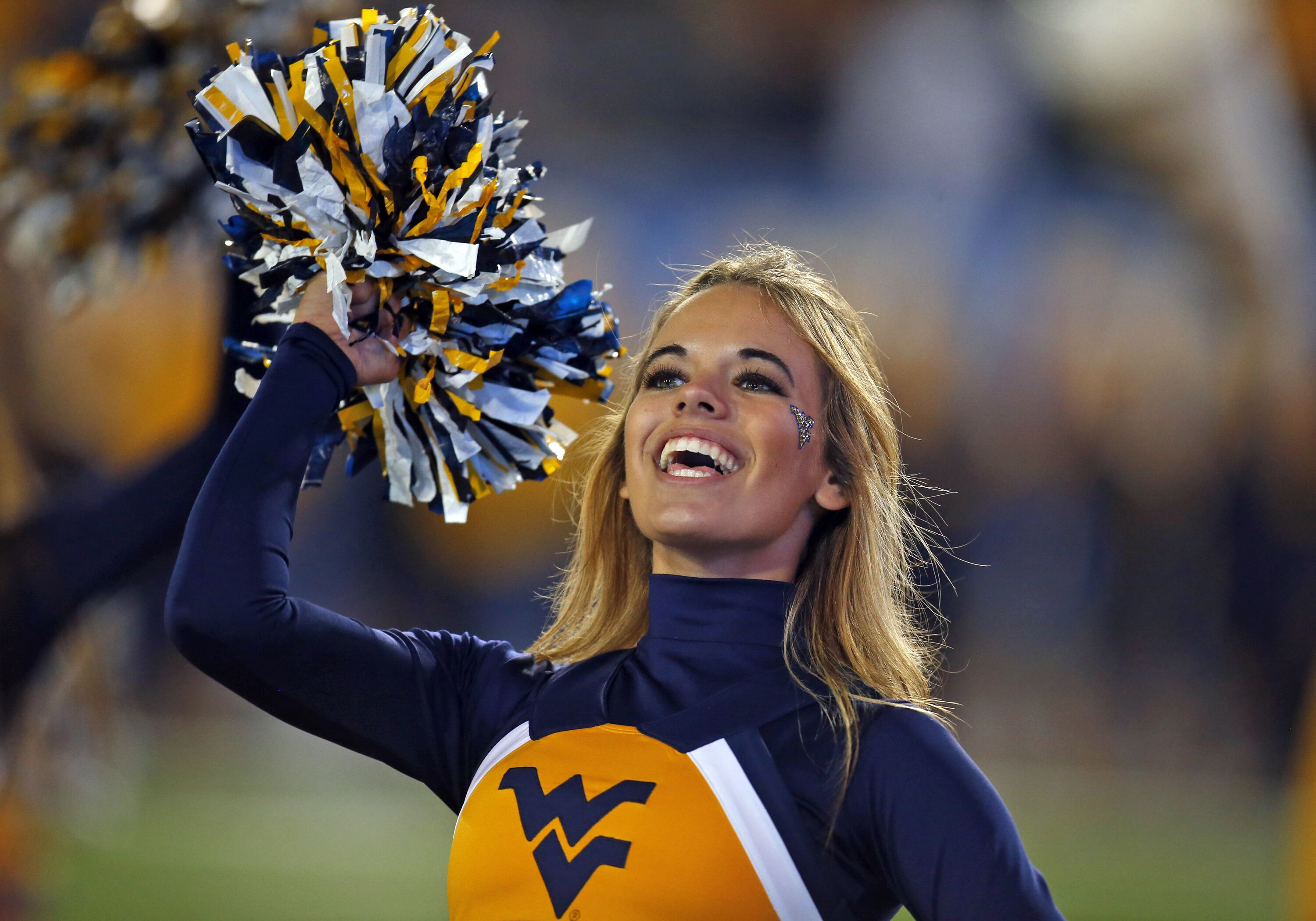 870245446-iowa-state-v-west-virginia.jpg