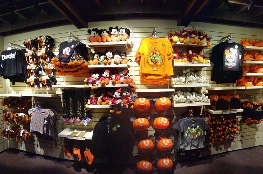 disneyland halloweentime 2018 childrens merchandise photo annie thornton