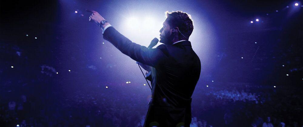 michael buble sings and swings 2017