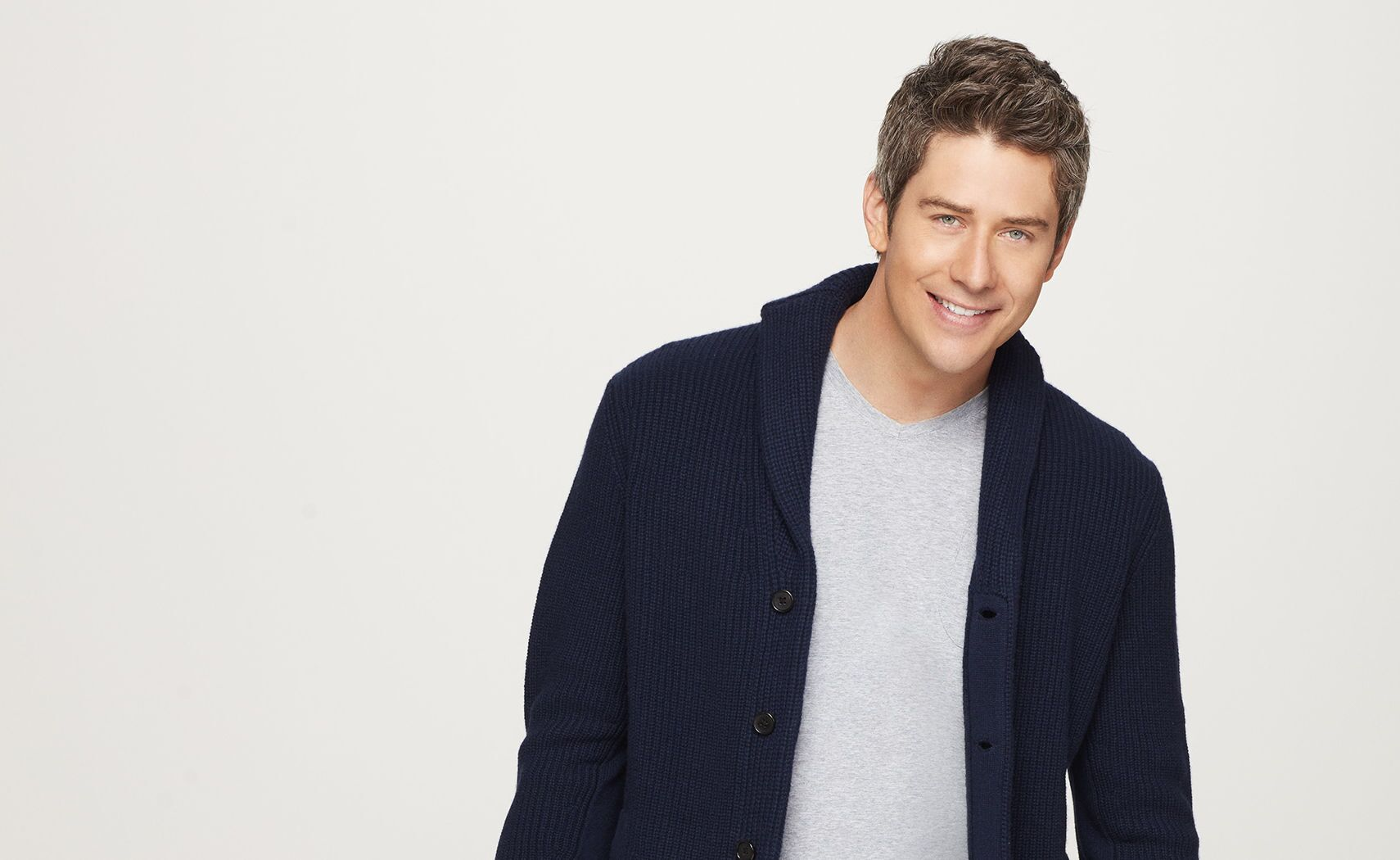 The Bachelor Season 22 finale: Hulu spoils Arie Luyendyk Jr.\'s proposal