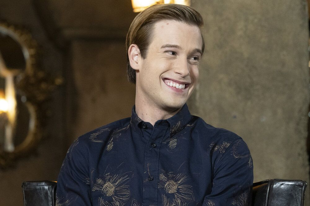 5f277005f016 Watch Hollywood Medium with Tyler Henry Season 4