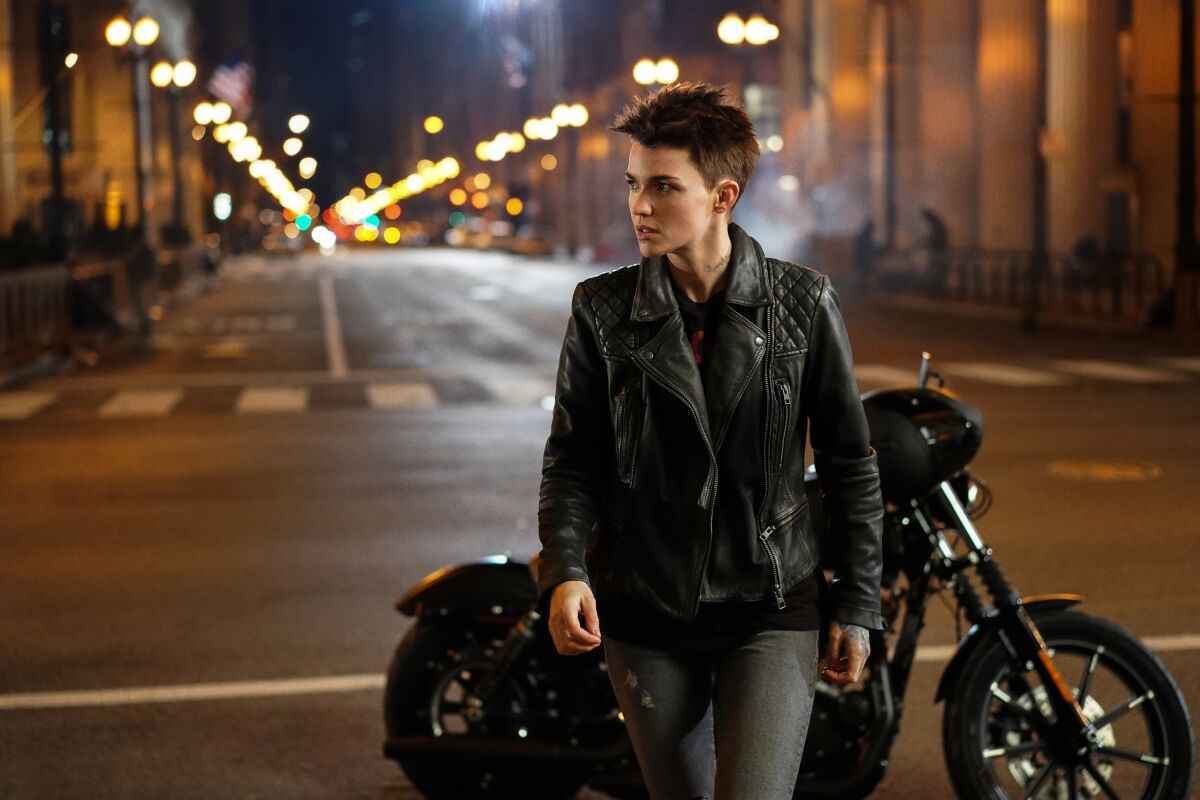 When do all your favorite superheroes return to the CW? Batwoman, Flash, more