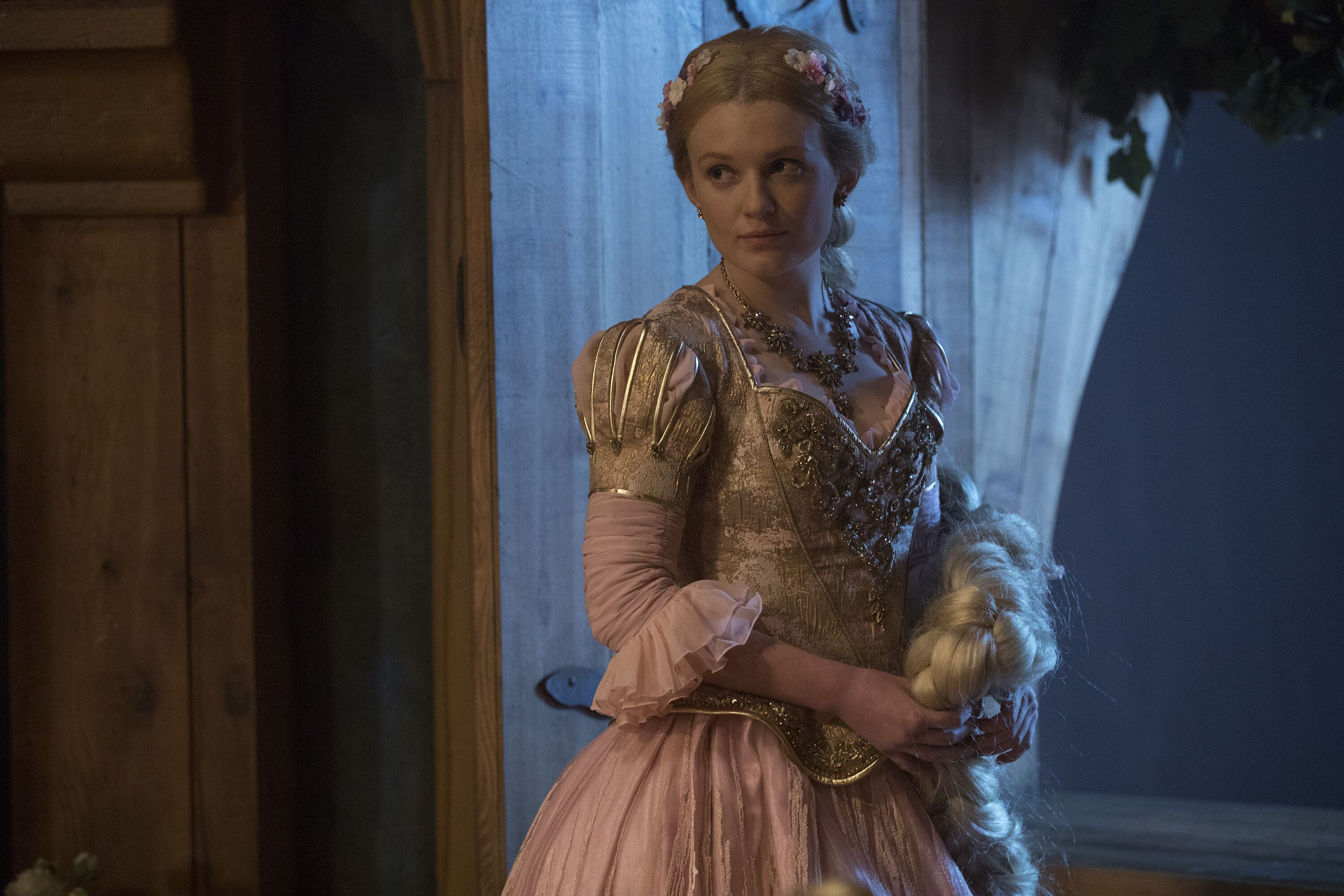 Once Upon A Time Season 7 Episode 7 Preview Eloise Gardener