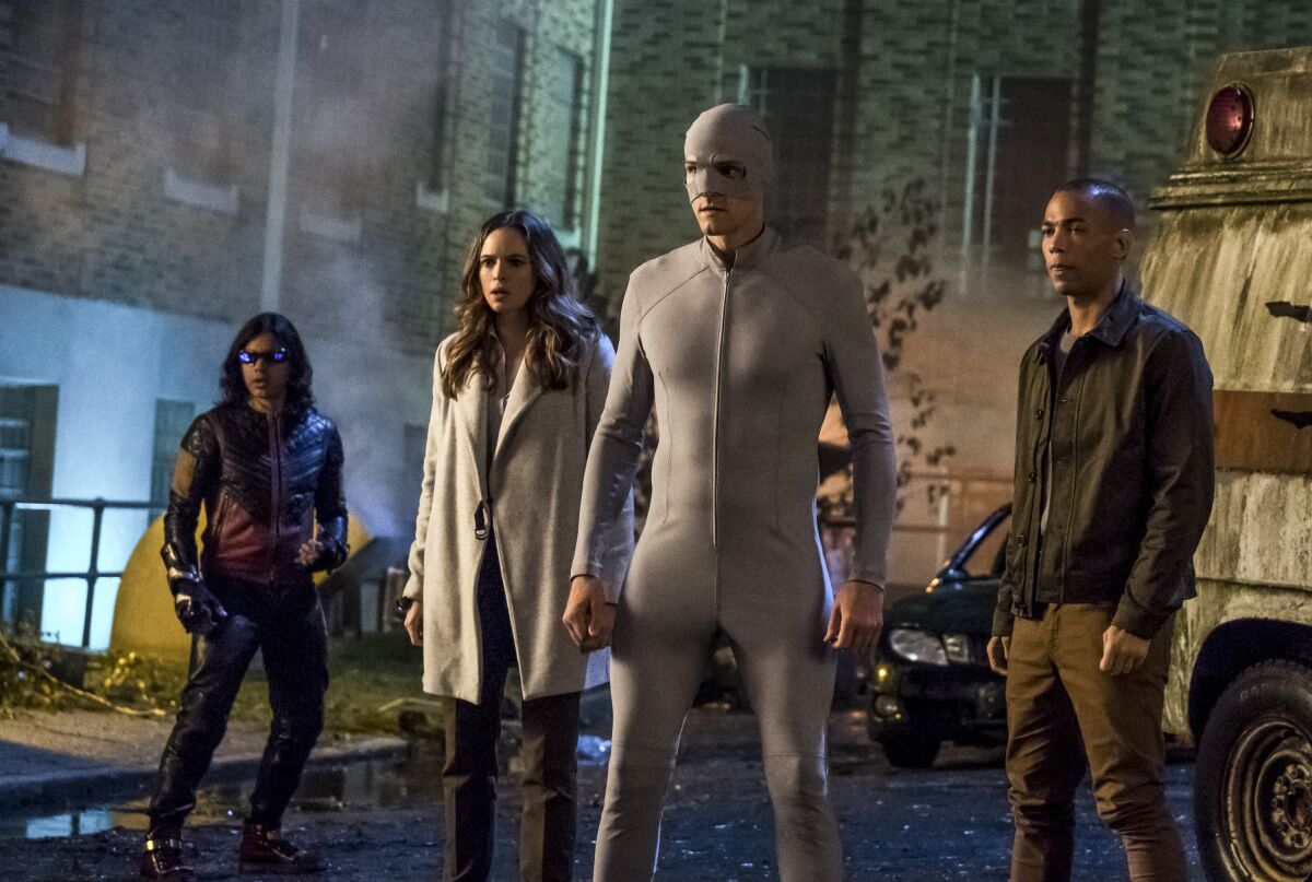 'HTGAWM' Season Finale Recap: Laurel ... - HelloBeautiful