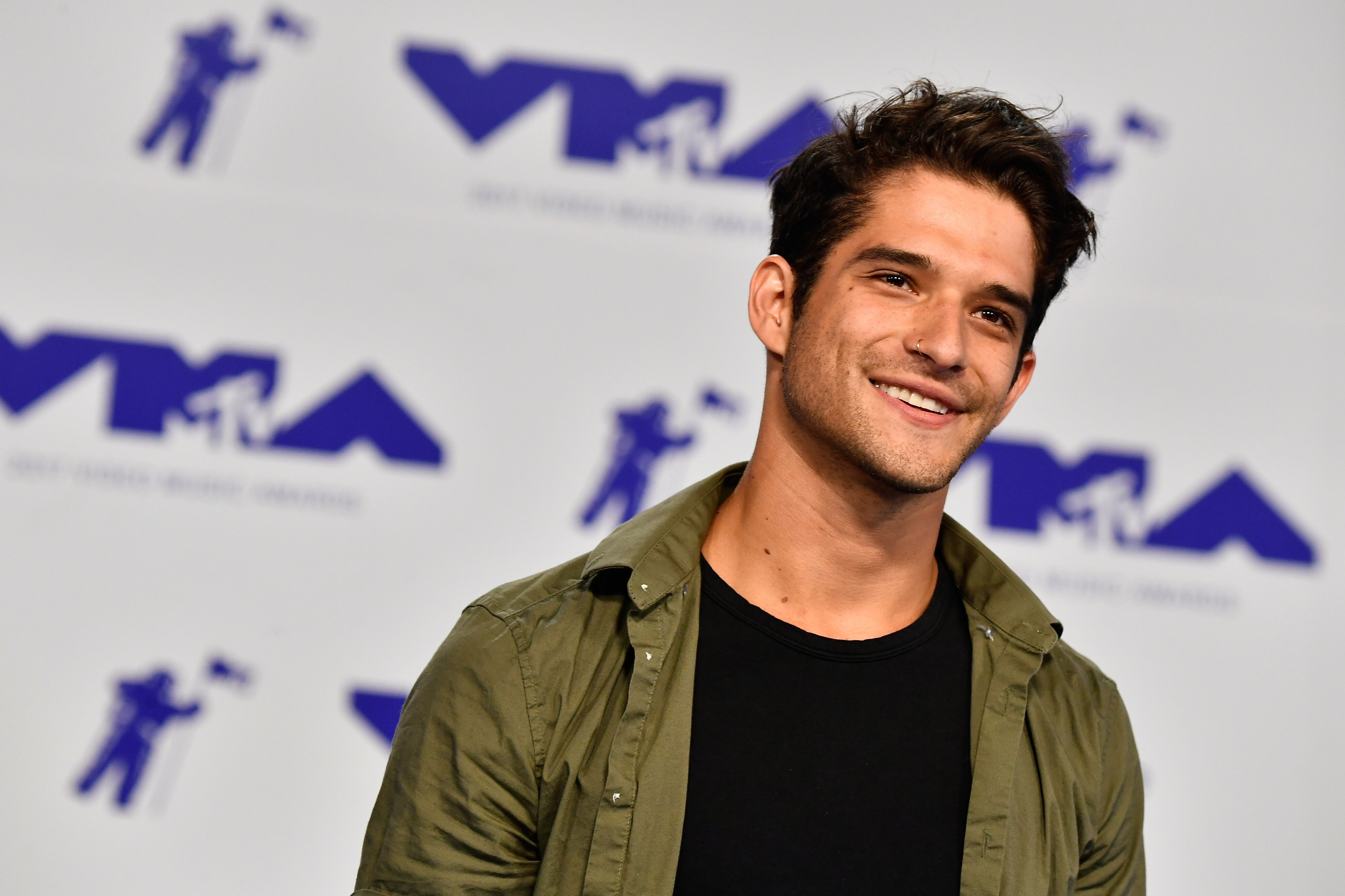 Tyler posey launches new mobile app via escapex gives fans the tyler posey launches new mobile app via escapex gives fans the chance to win meet and greet experience kristyandbryce Image collections