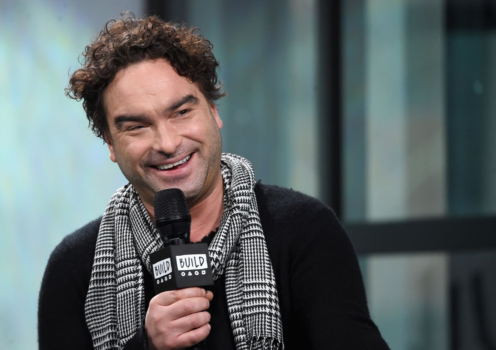 The Conners: Johnny Galecki returning, Juliette Lewis guest starring
