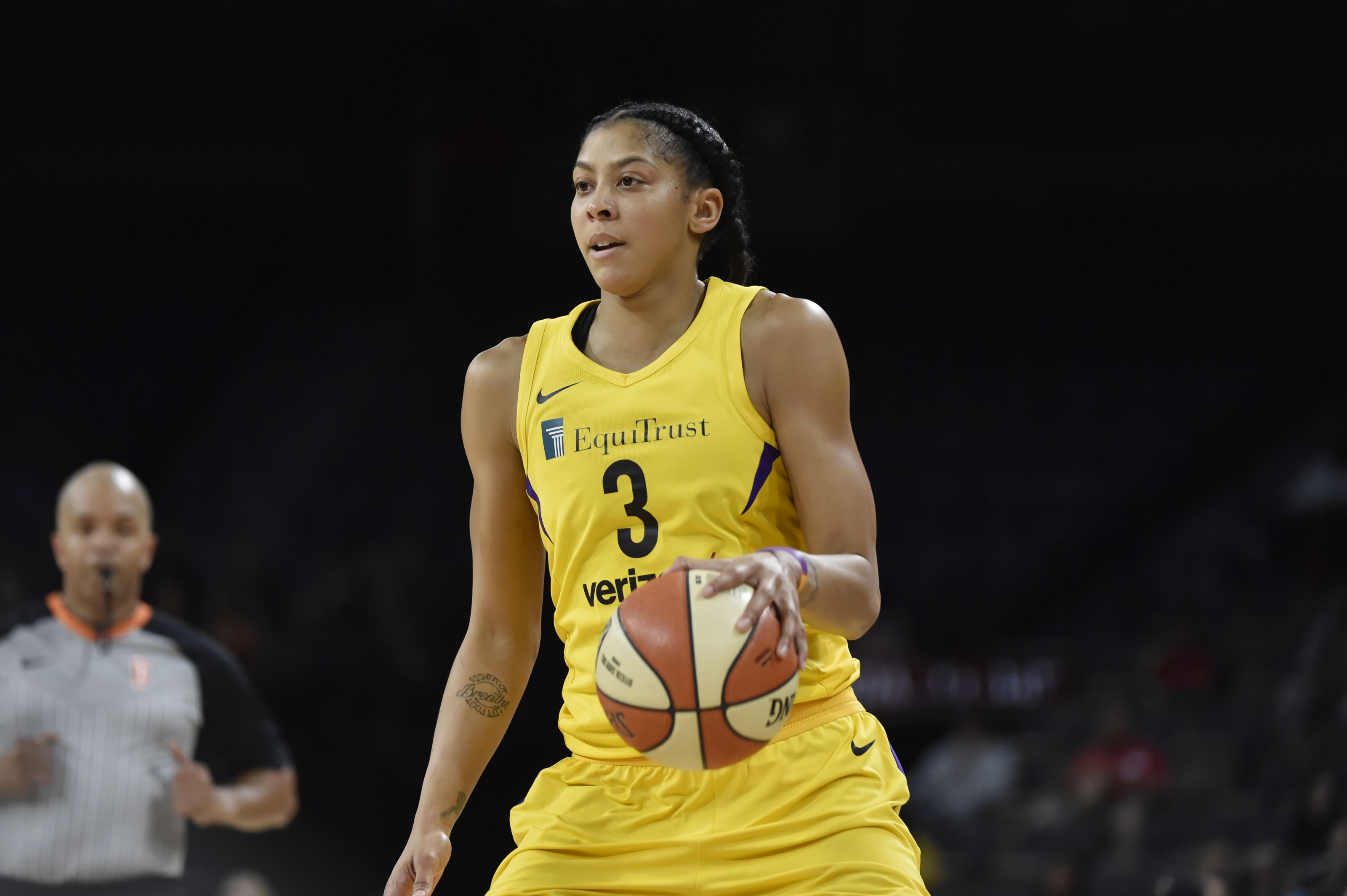 83c903c2bea Los Angeles Sparks star Candace Parker injured in preseason opener
