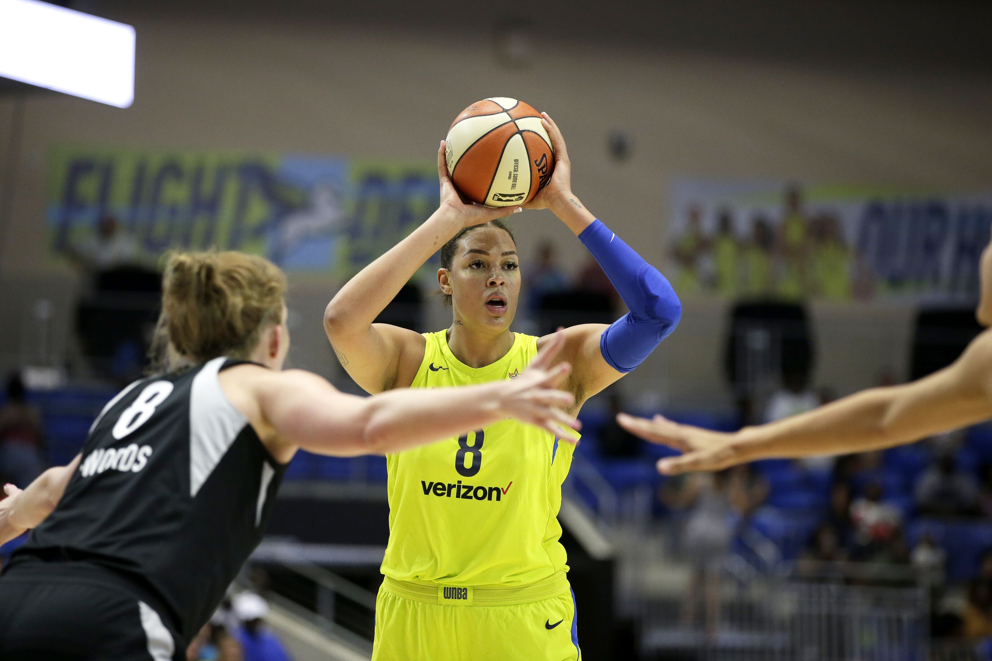 Liz Cambage 'fits right in' with the Aces