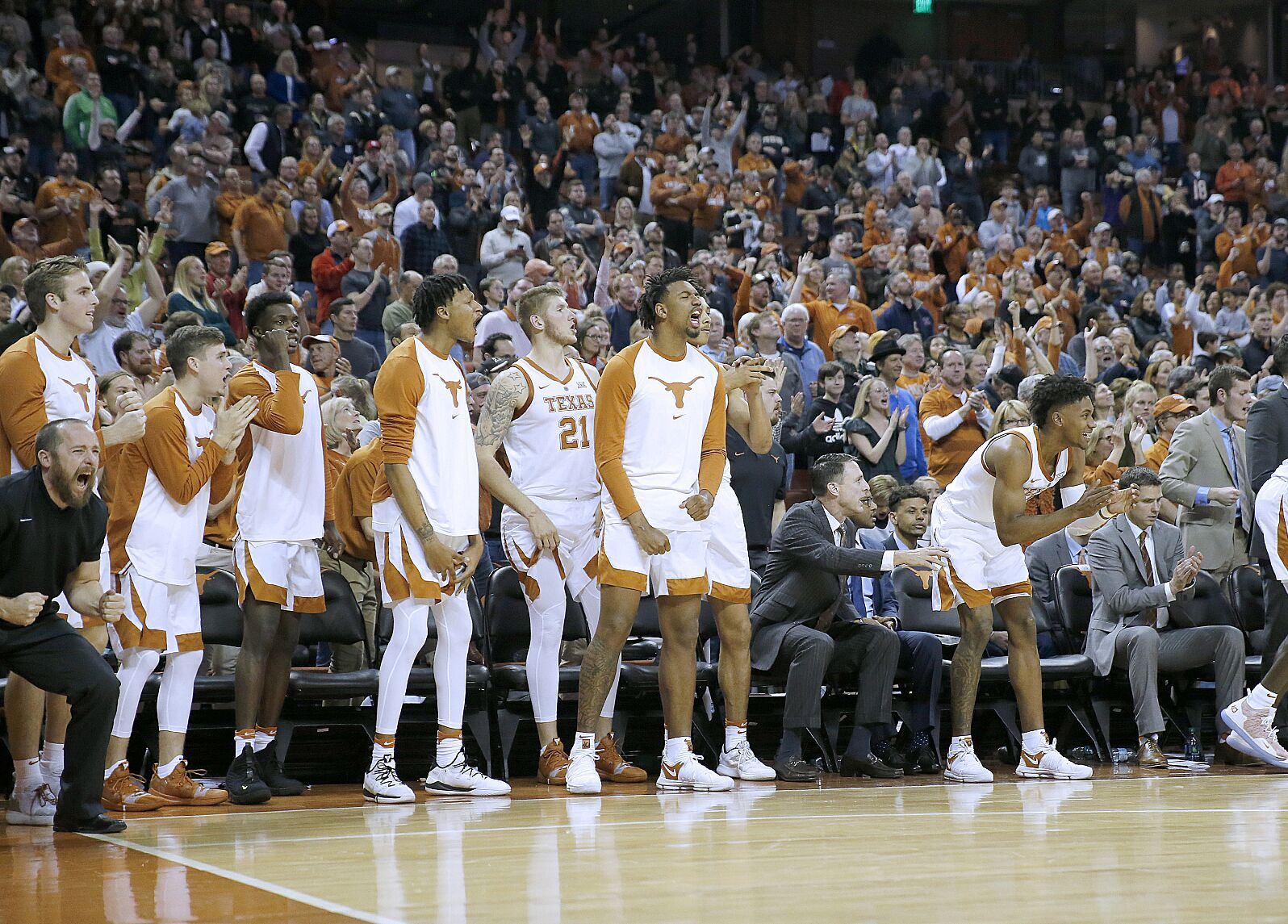 Texas Basketball: 3 things Longhorns fans want for Christmas in 2018