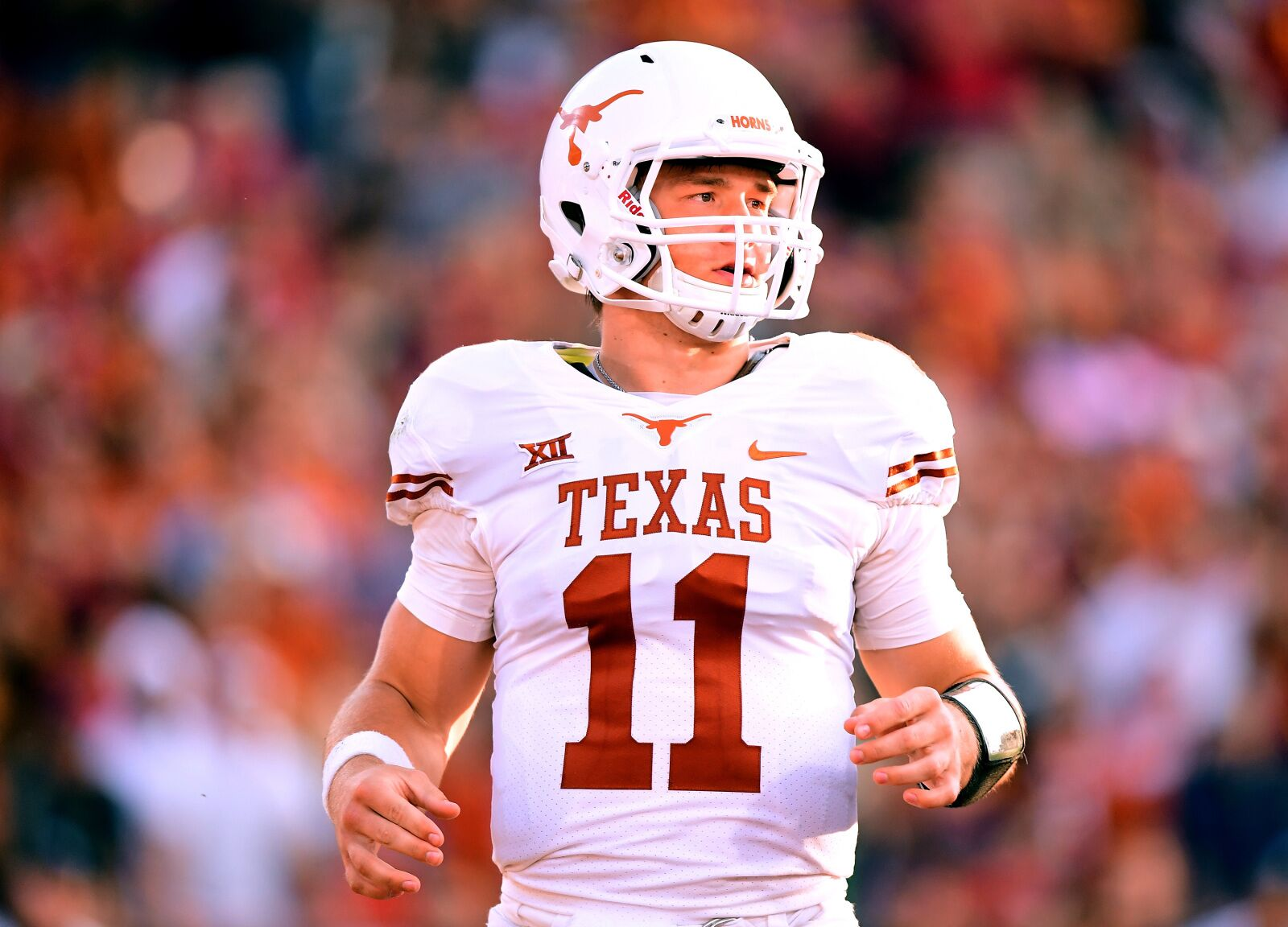 best website 28c54 4eb45 Texas Football: 3 reasons sticking with Sam Ehlinger is the ...