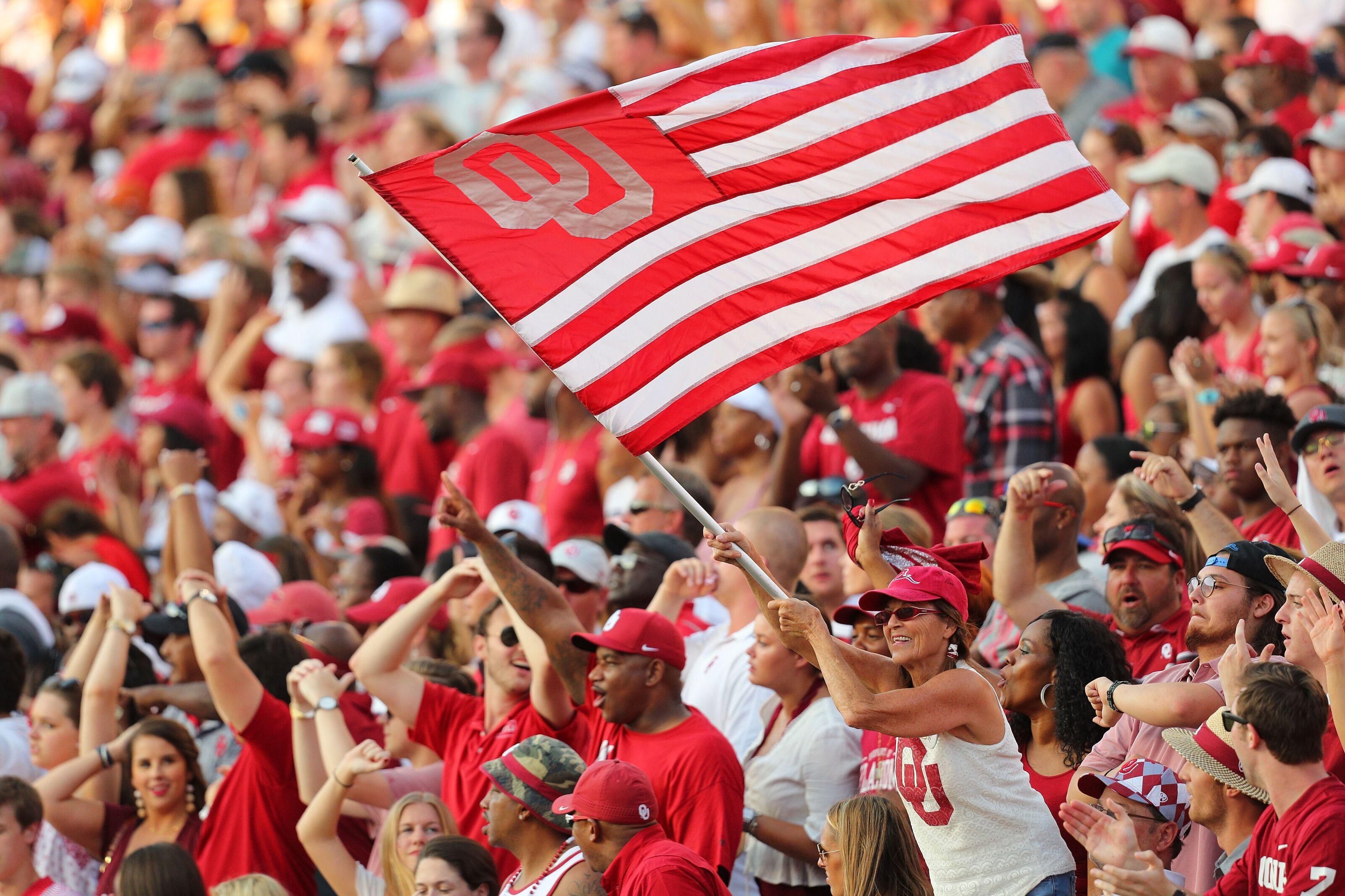 "Texas Football: Oklahoma news report fan sparks ""Horns down"" debate"