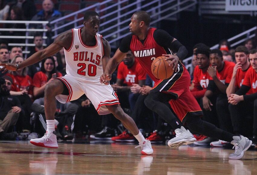 Chicago Bulls  New Teammates Show Love To Dwyane Wade 0d33caf99