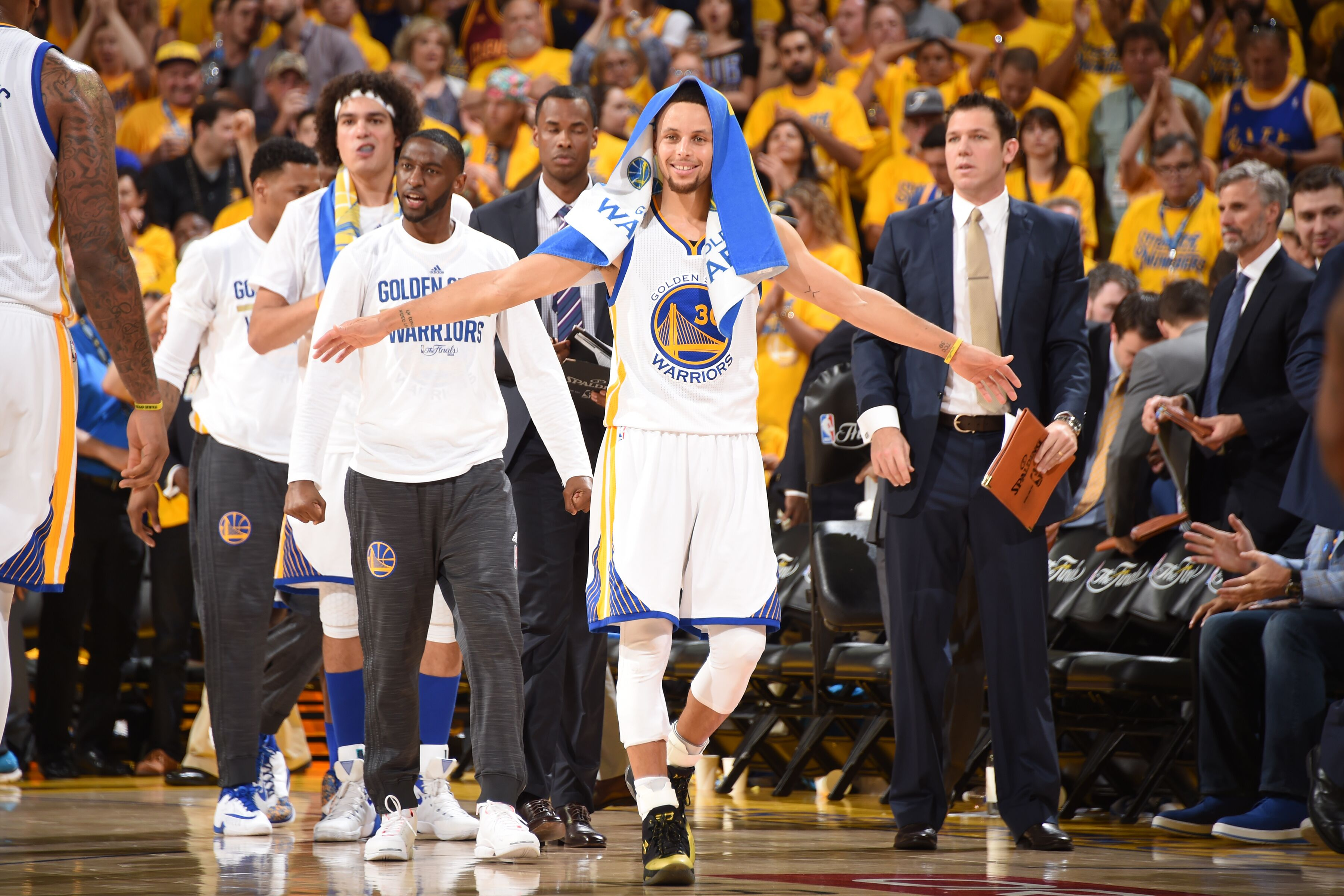 Golden State Warriors: 5 bold predictions for 2017-18 NBA season - Page 2