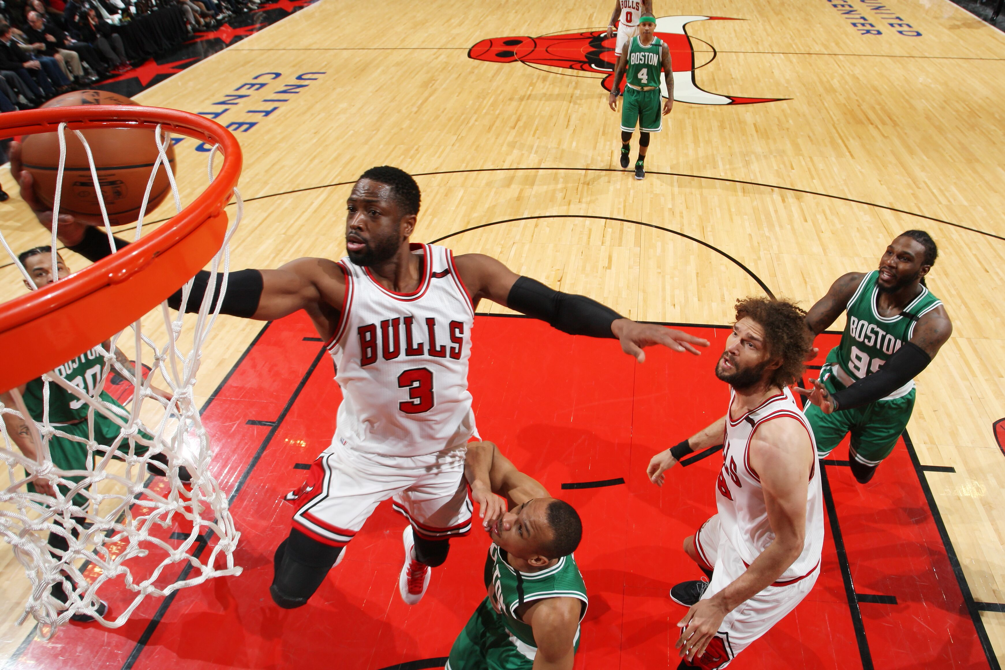 Chicago Bulls: Dwyane Wade's top moments from 2016-17