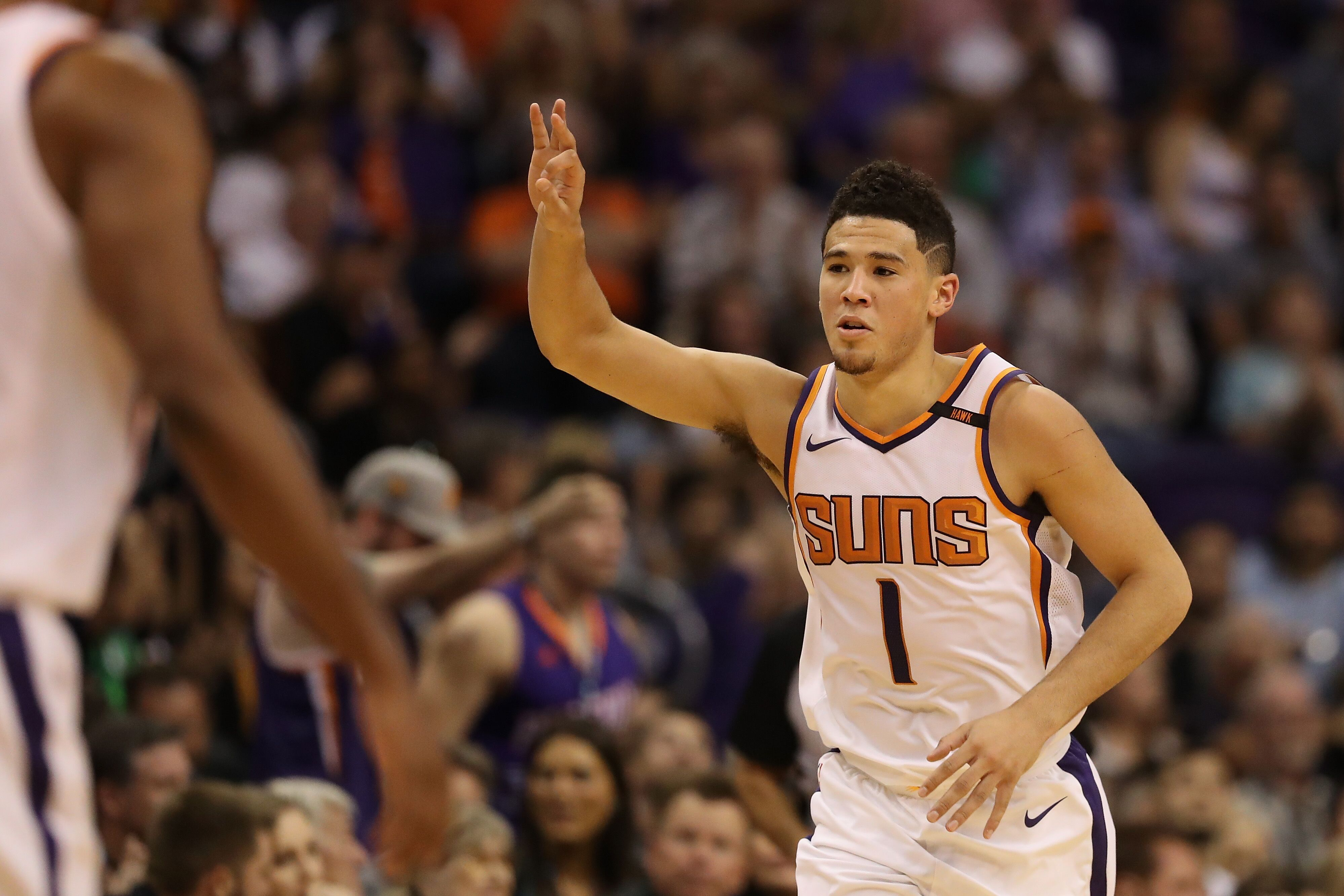 f3bf5eac7 Devin Booker  5 early signs he s making the leap for the Suns in 2017-18