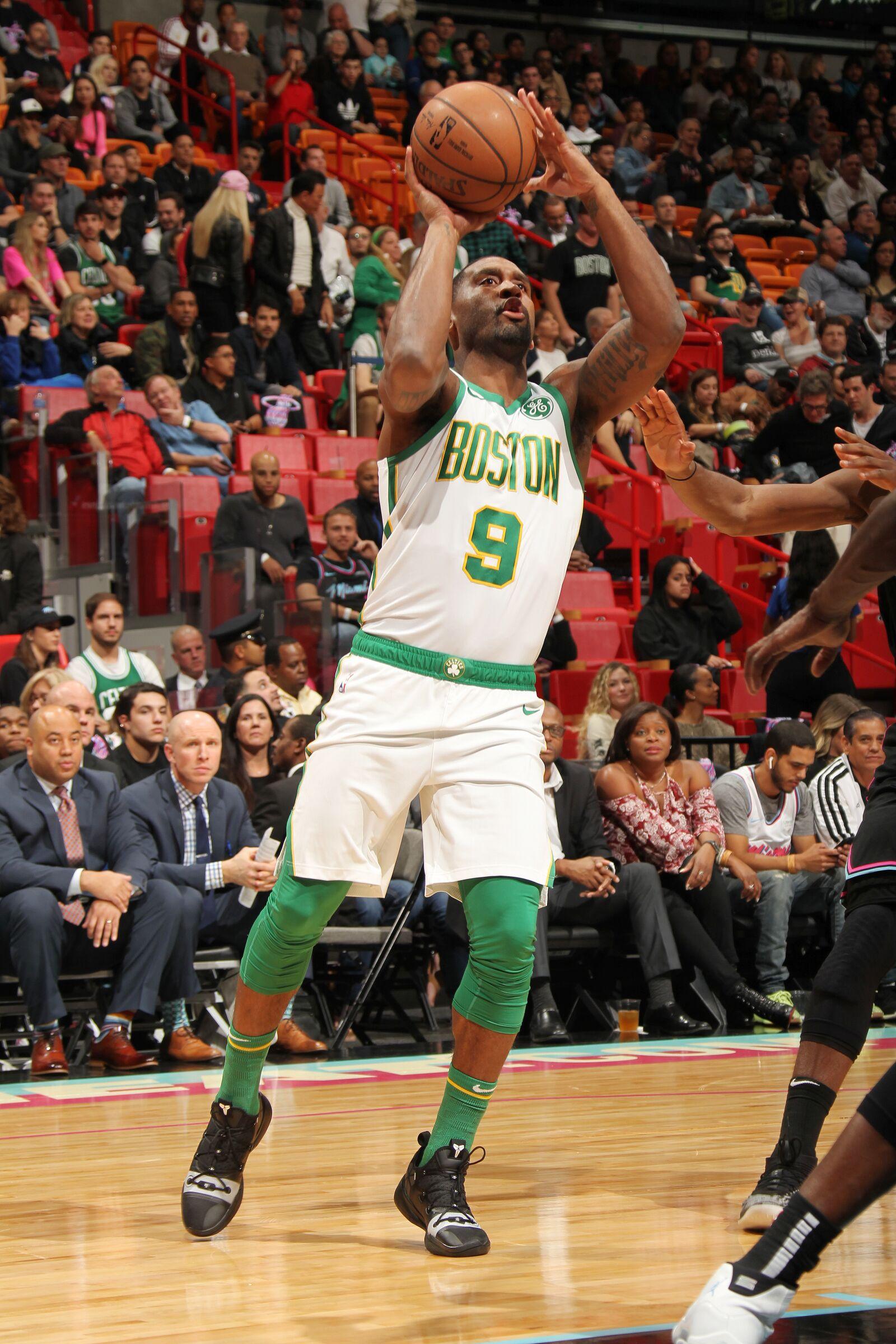 buy popular 907d5 80767 Boston Celtics: The case for Brad Wanamaker playing more