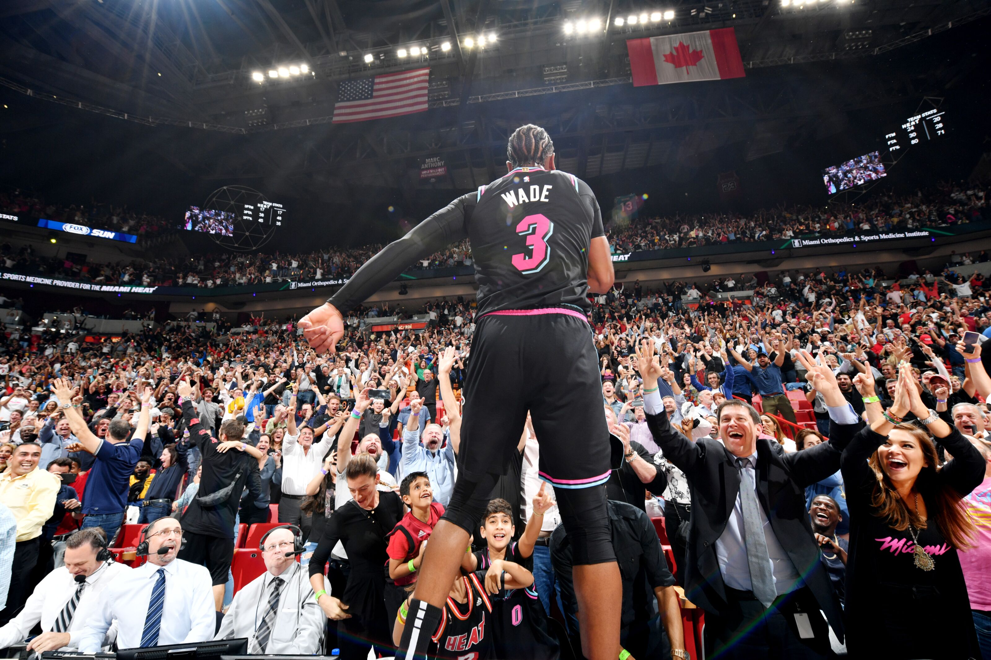 861363abf4fc Miami Heat  Dwyane Wade s greatness just doesn t stop