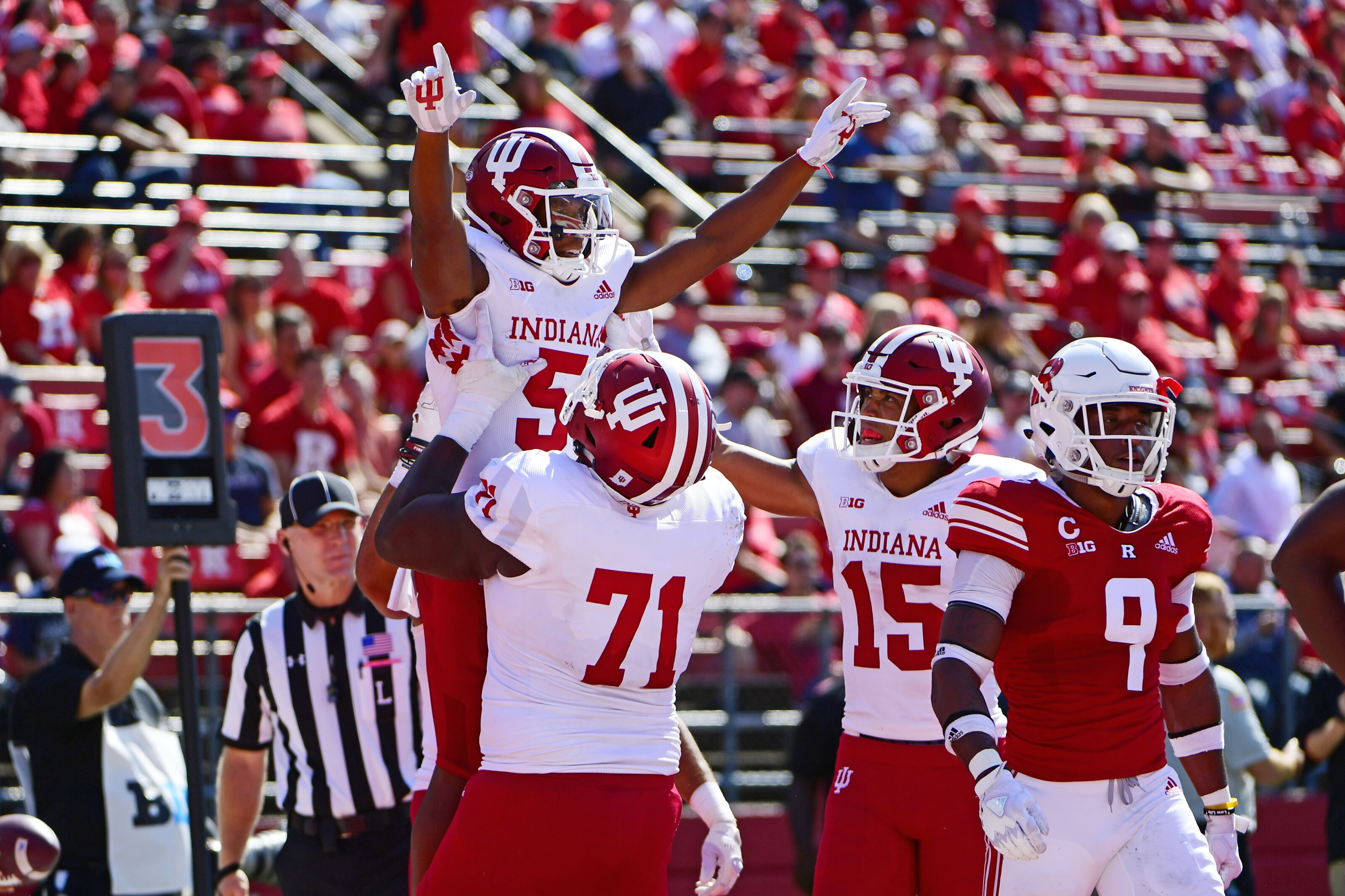 64f79631 Indiana Football: Jersey's to look a bit different this year