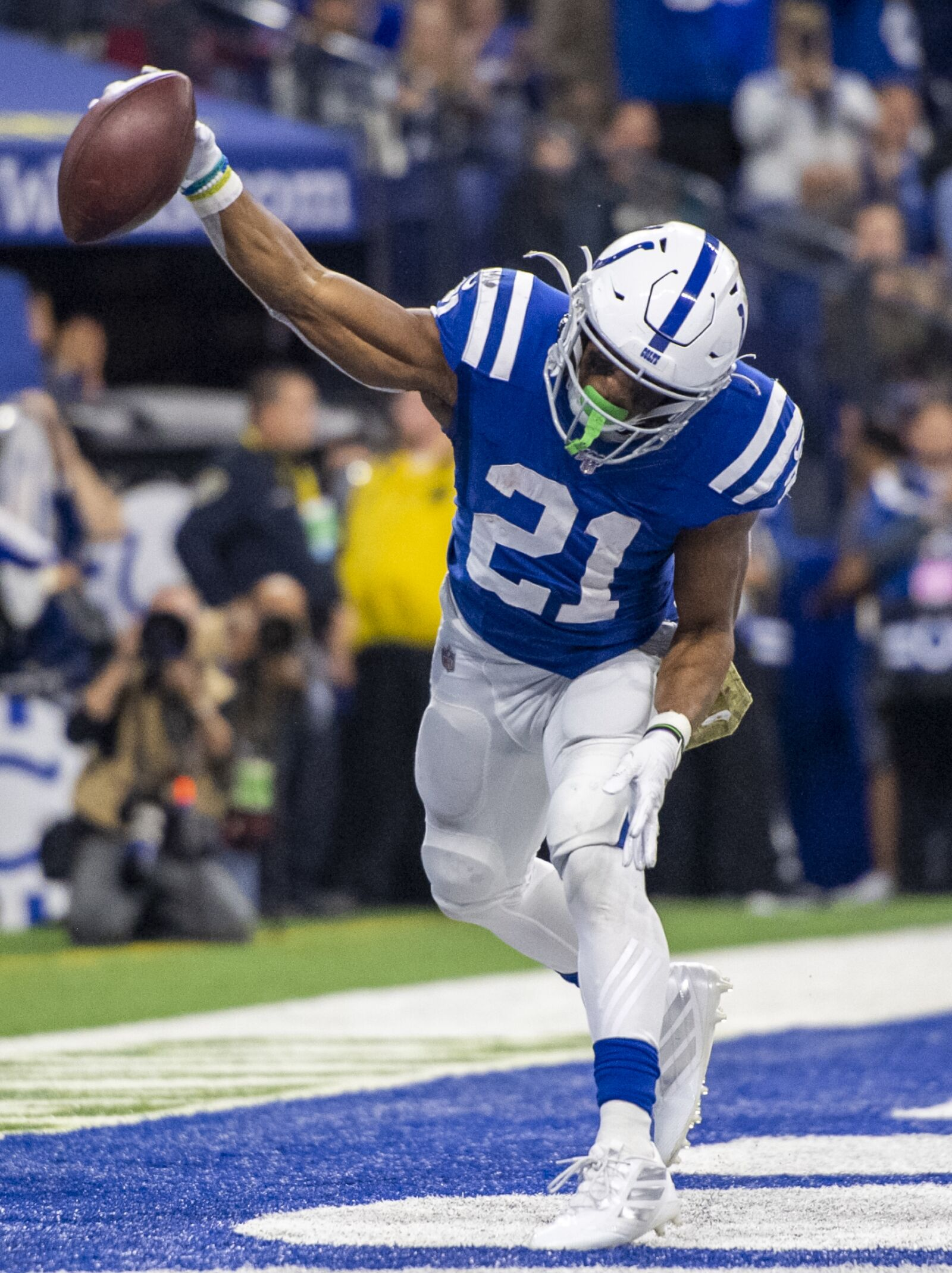 Colts destroy Jags, get their groove back
